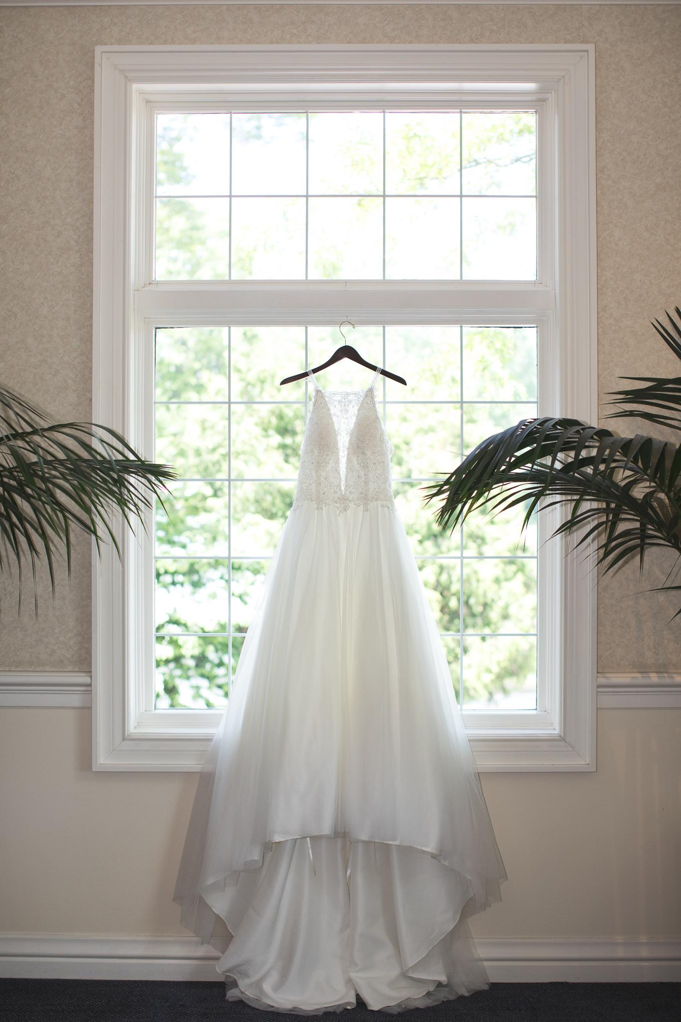 007-best-detroit-michigan-outdoor-wedding-photographer.jpg