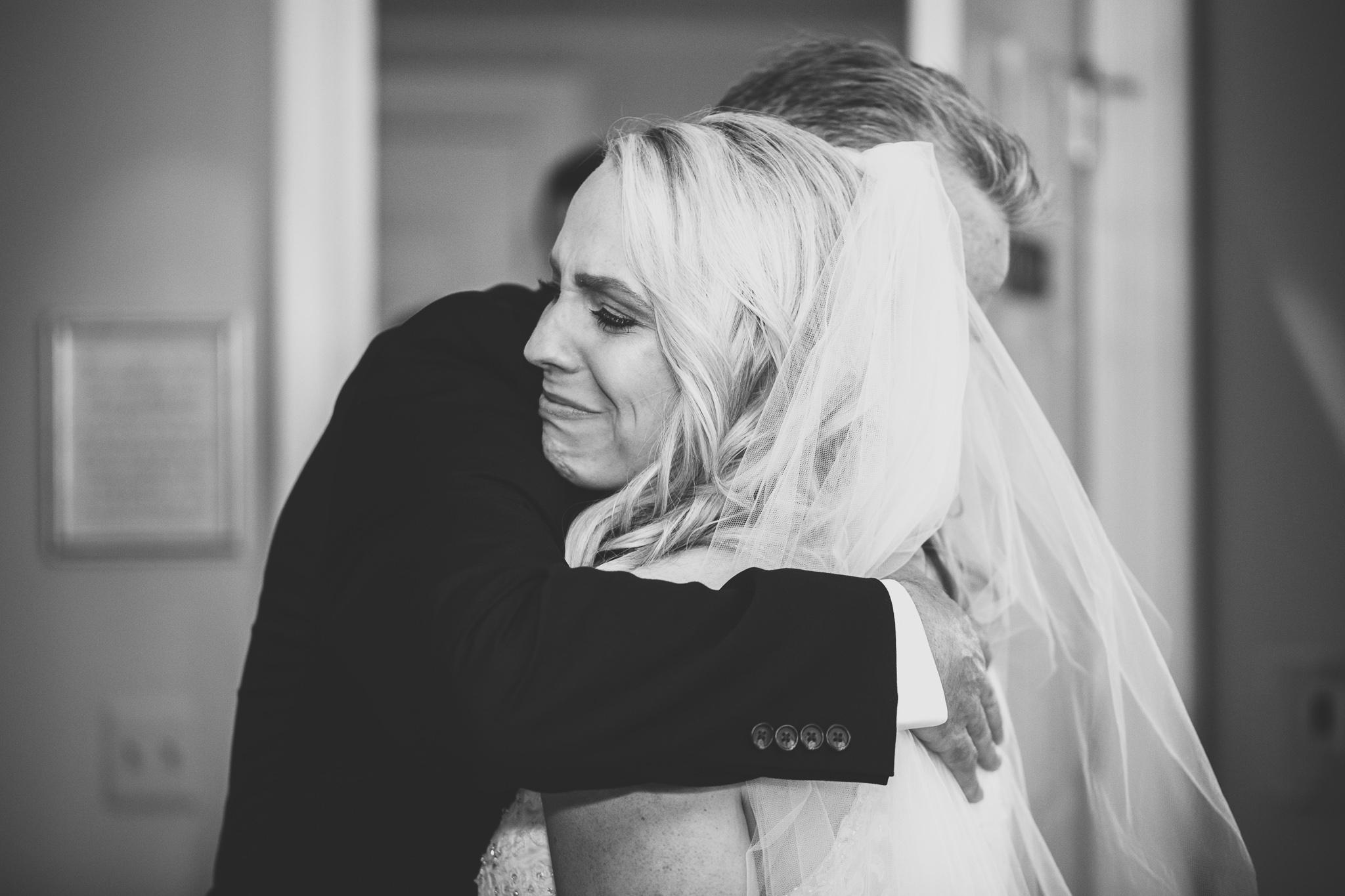 020-best-detroit-michigan-outdoor-wedding-photographer.jpg