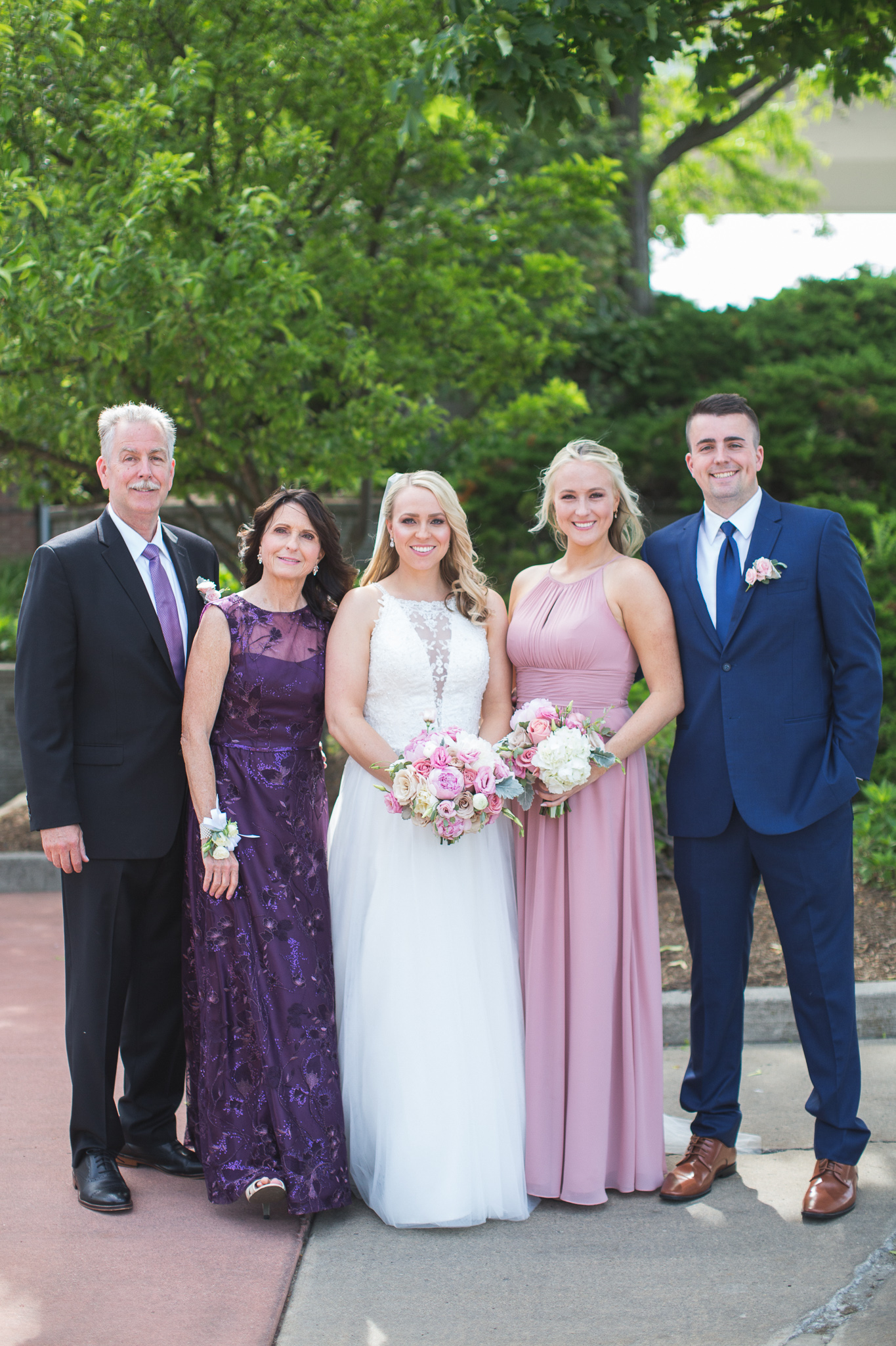 021-best-detroit-michigan-outdoor-wedding-photographer.jpg