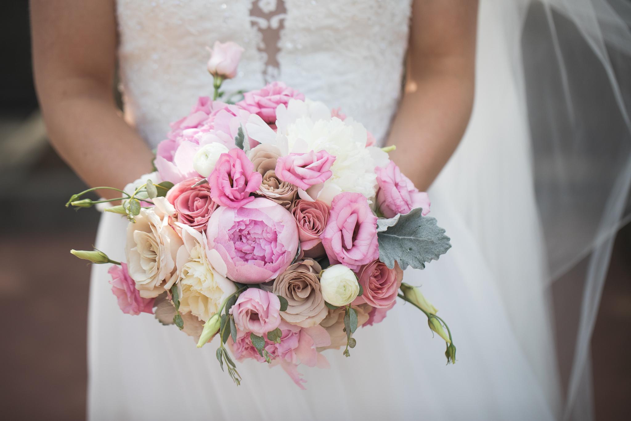 023-best-detroit-michigan-outdoor-wedding-photographer.jpg