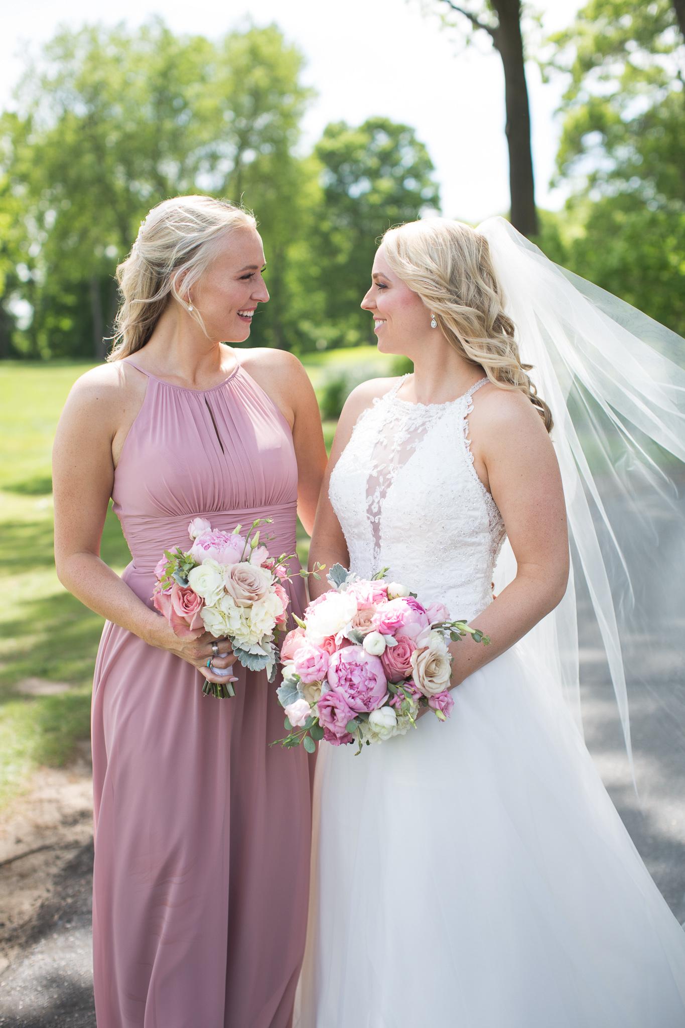 030-best-detroit-michigan-outdoor-wedding-photographer.jpg