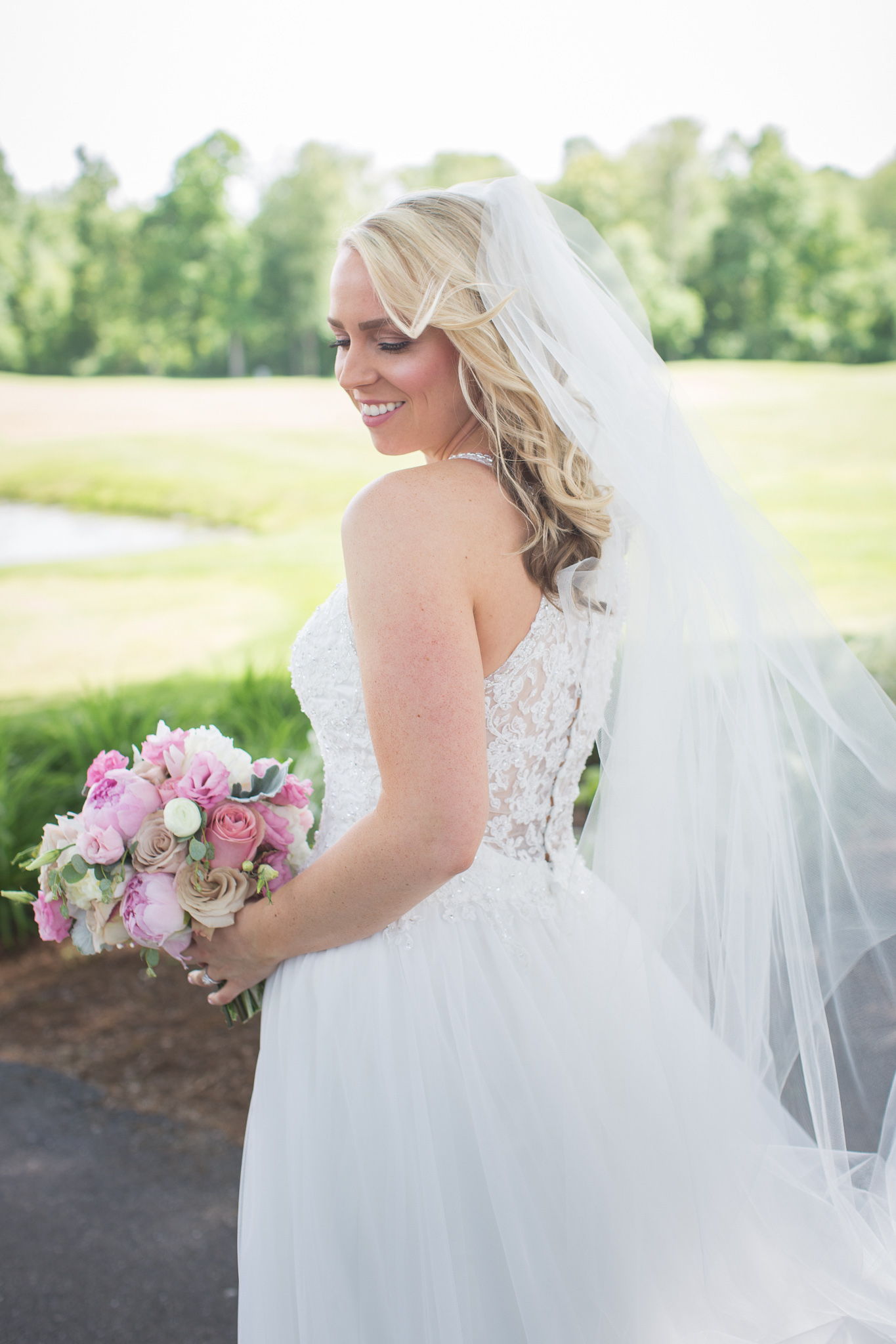 033-best-detroit-michigan-outdoor-wedding-photographer.jpg