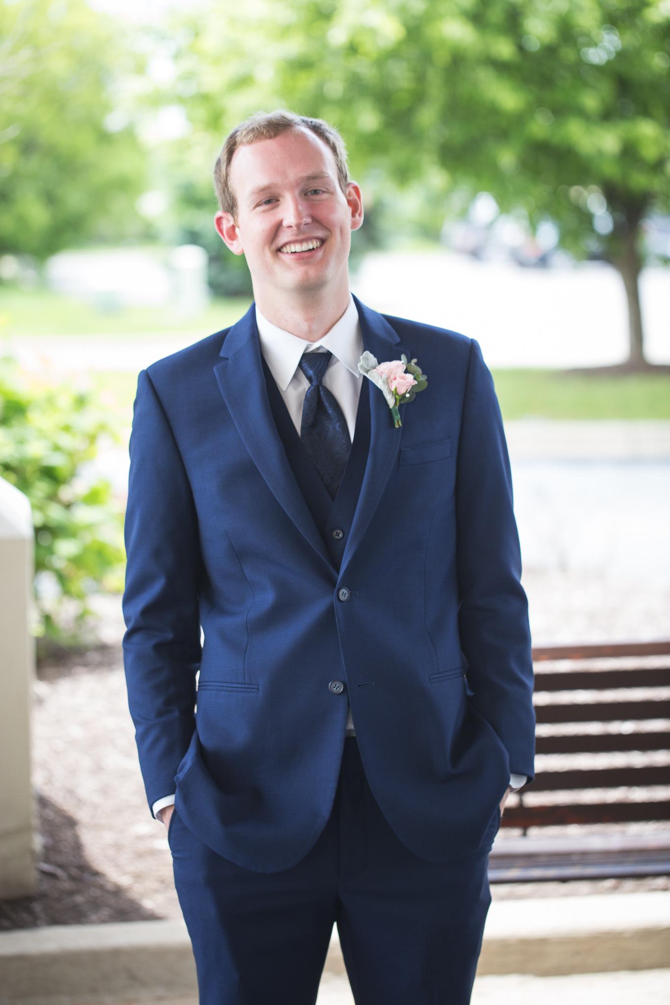 053-best-detroit-michigan-outdoor-wedding-photographer.jpg