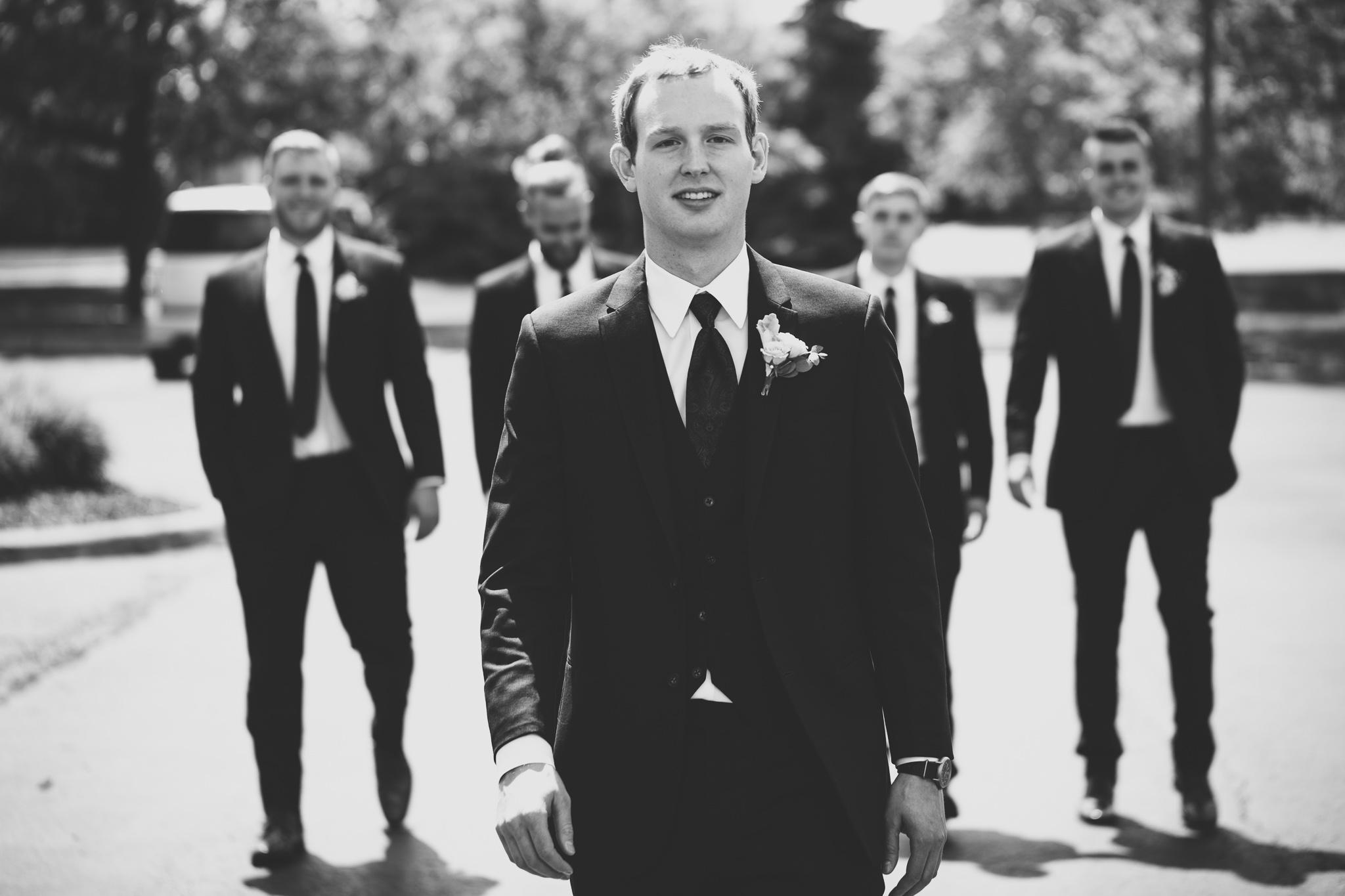 055-best-detroit-michigan-outdoor-wedding-photographer.jpg
