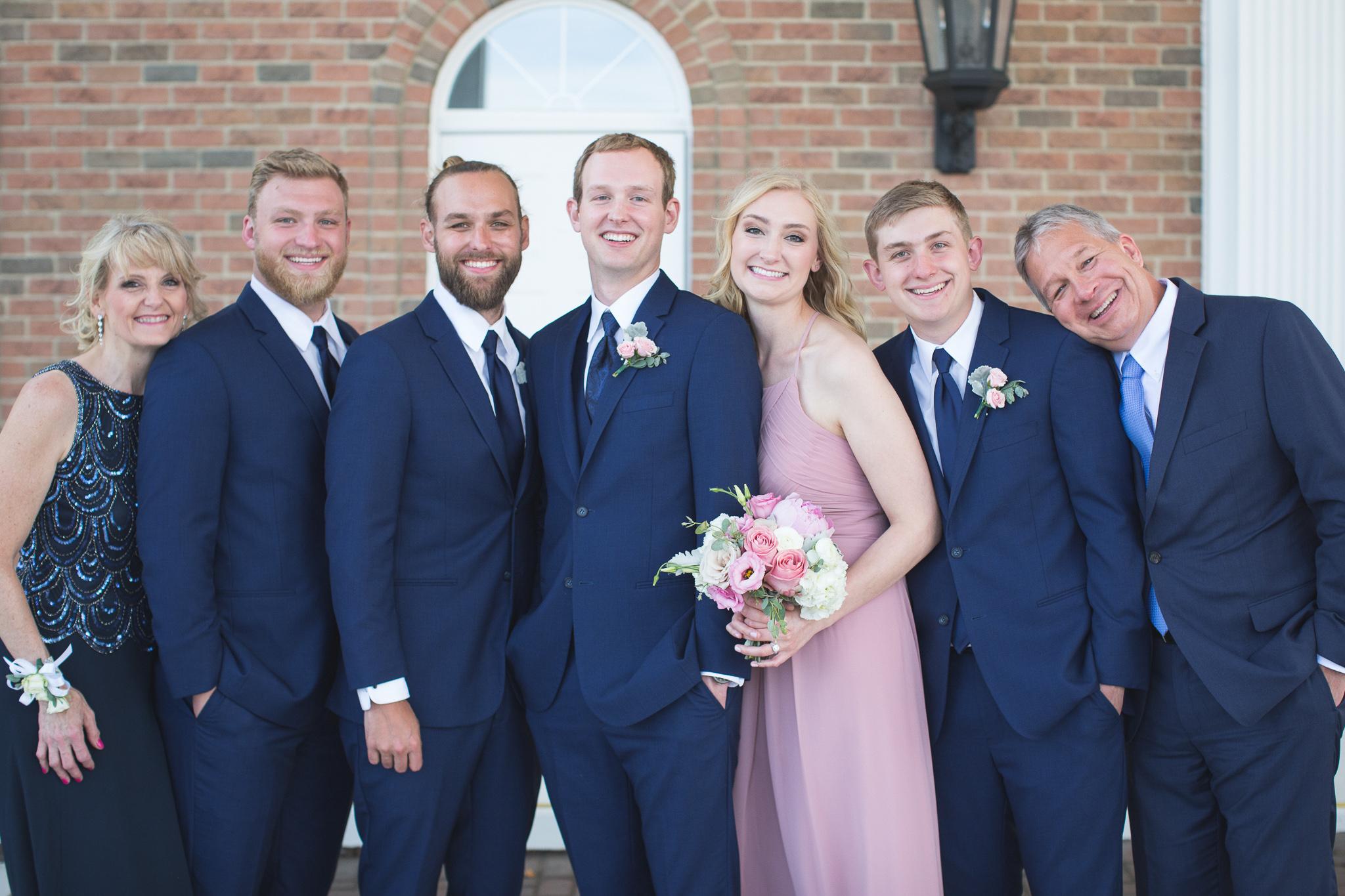 057-best-detroit-michigan-outdoor-wedding-photographer.jpg