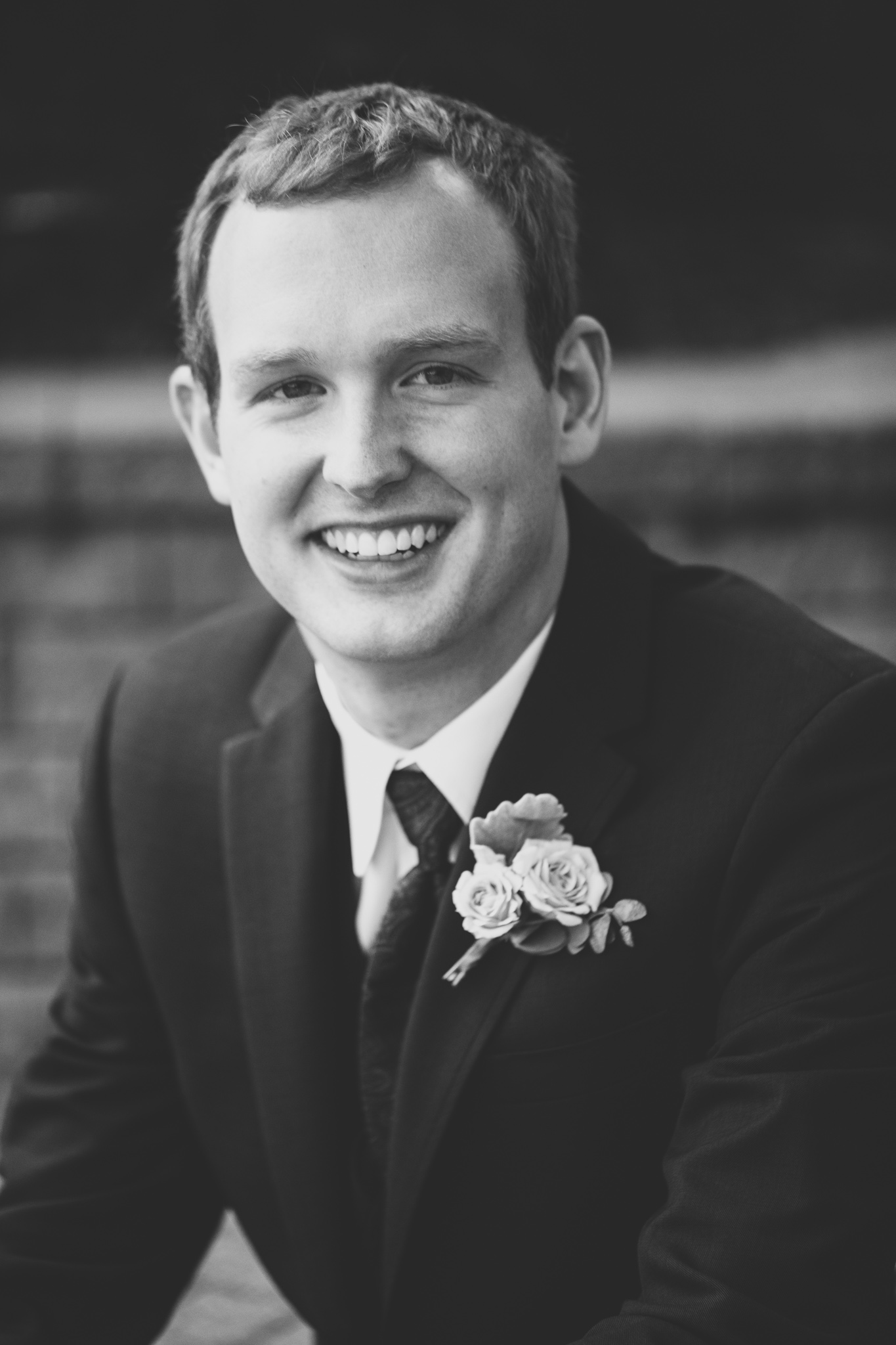 062-best-detroit-michigan-outdoor-wedding-photographer.jpg