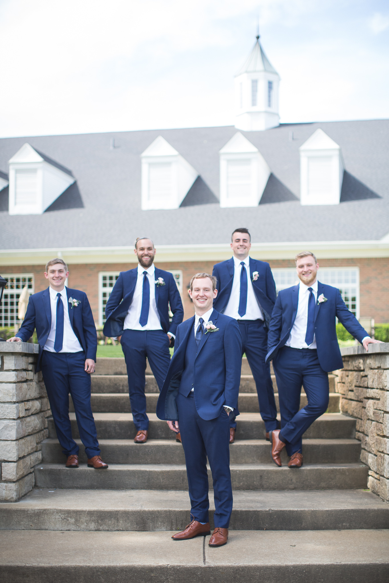 063-best-detroit-michigan-outdoor-wedding-photographer.jpg