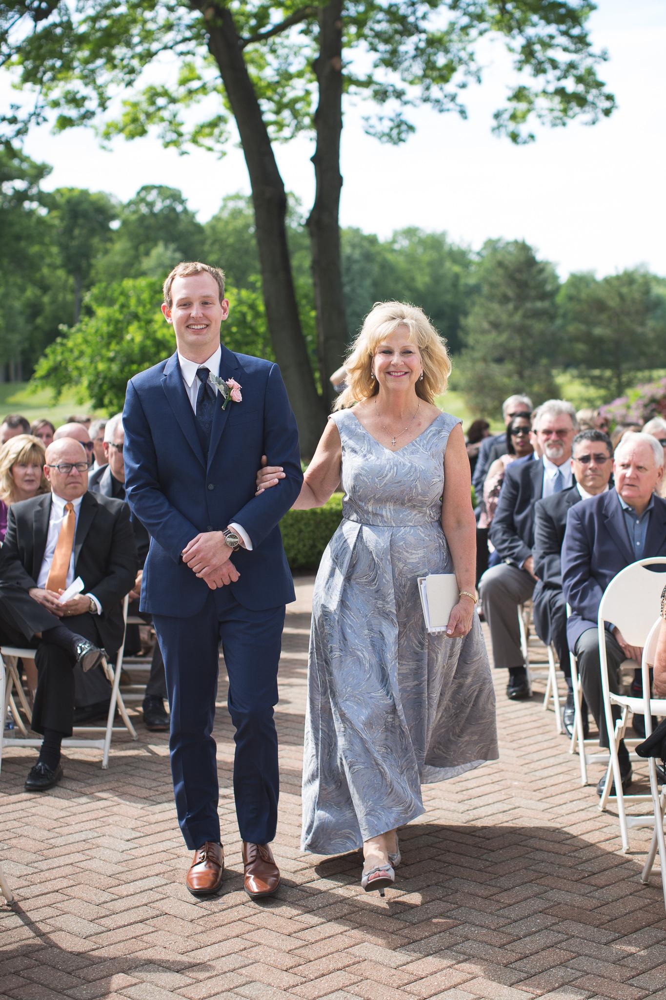 066-best-detroit-michigan-outdoor-wedding-photographer.jpg