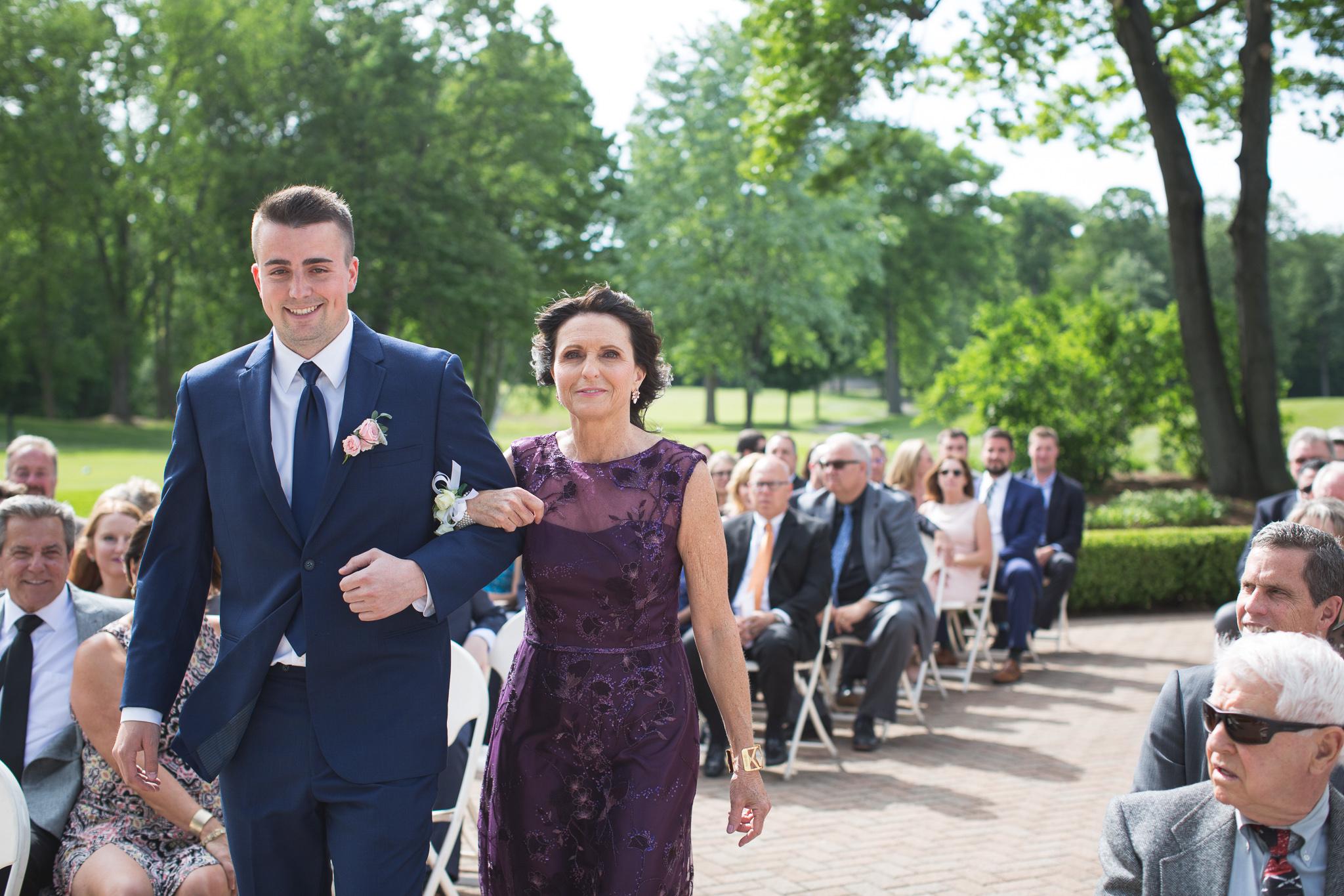 067-best-detroit-michigan-outdoor-wedding-photographer.jpg