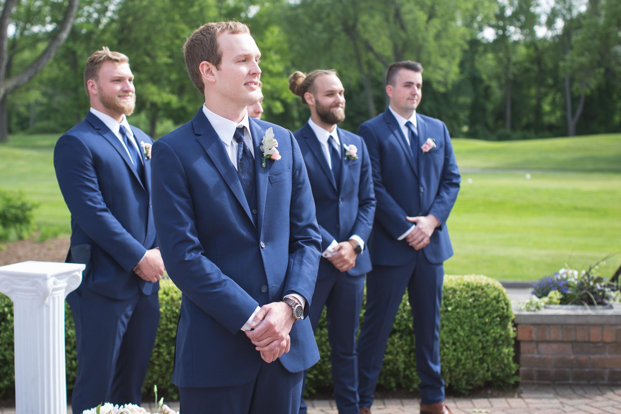 072-best-detroit-michigan-outdoor-wedding-photographer.jpg