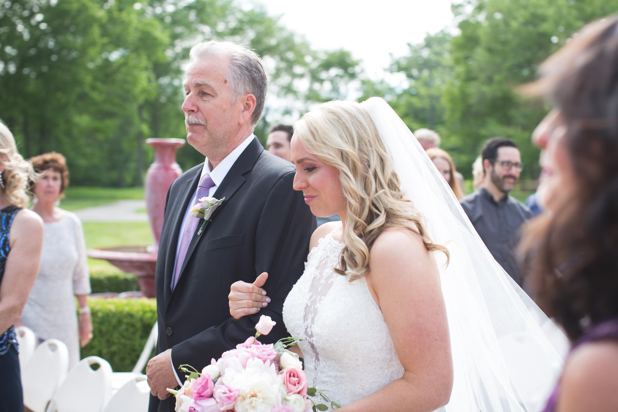 075-best-detroit-michigan-outdoor-wedding-photographer.jpg