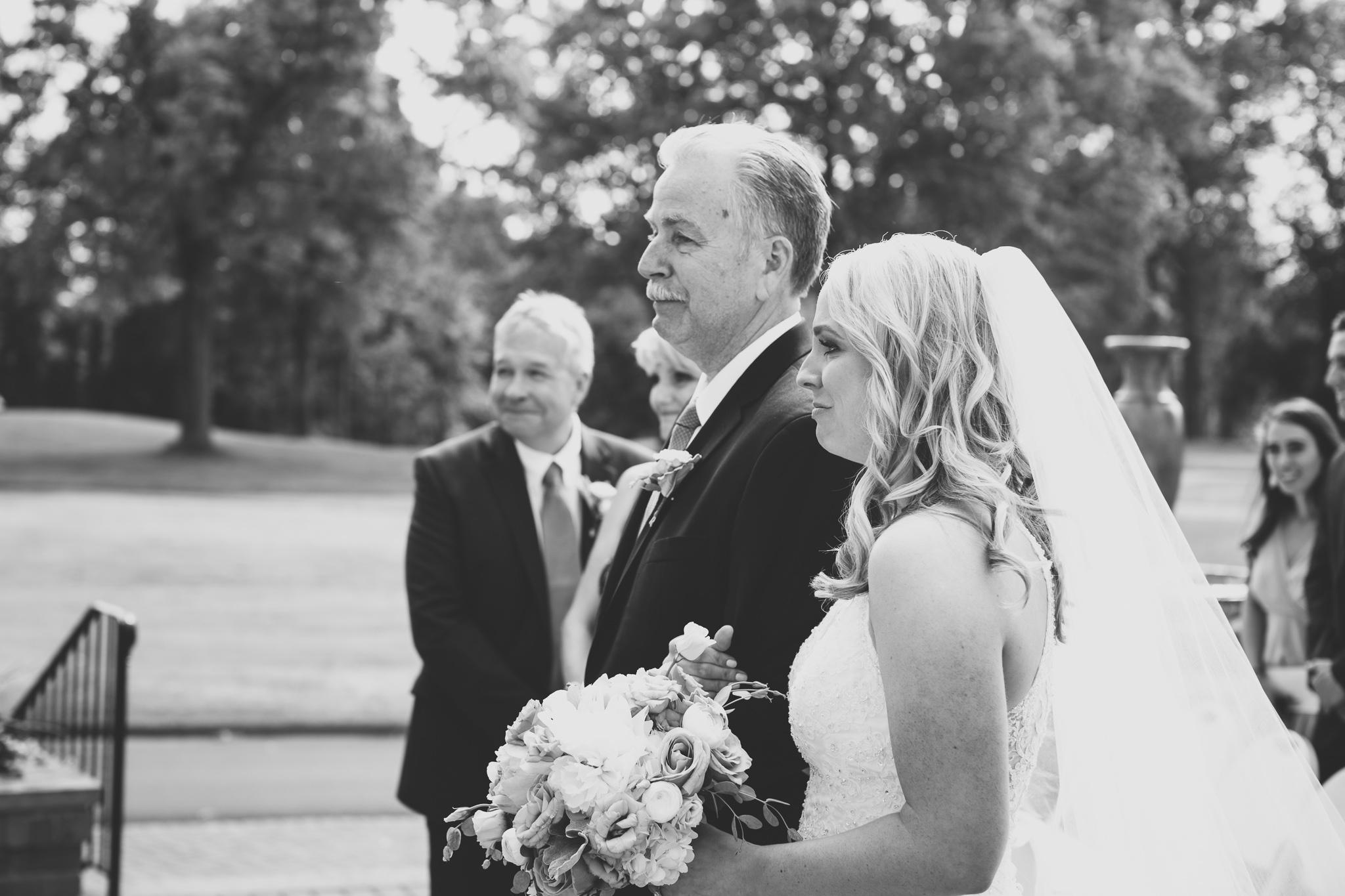 076-best-detroit-michigan-outdoor-wedding-photographer.jpg
