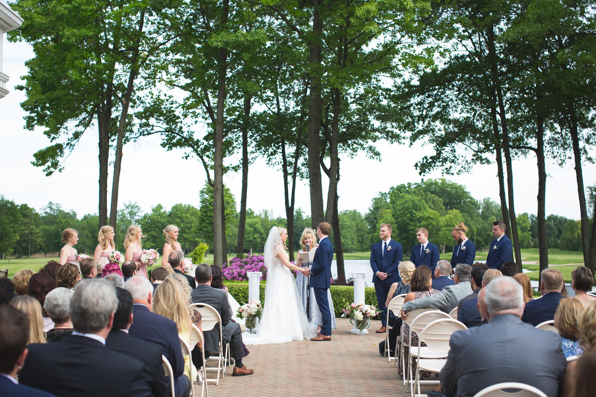 087-best-detroit-michigan-outdoor-wedding-photographer.jpg