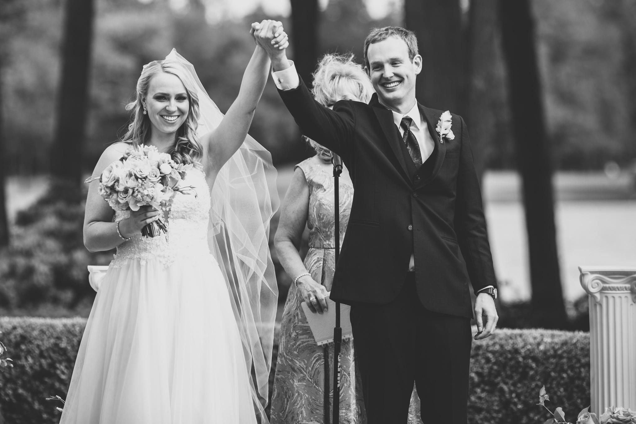 099-best-detroit-michigan-outdoor-wedding-photographer.jpg