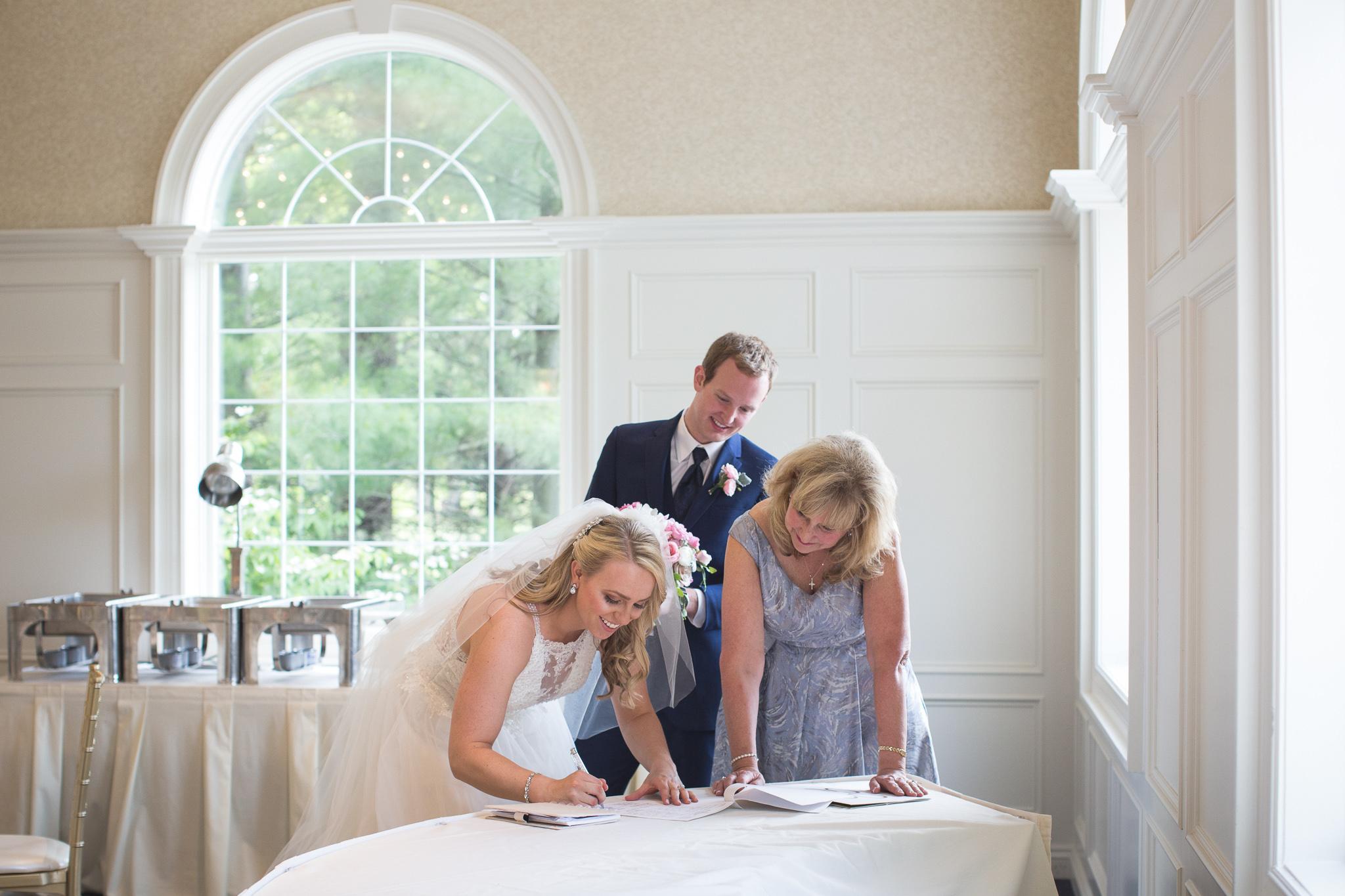106-best-detroit-michigan-outdoor-wedding-photographer.jpg