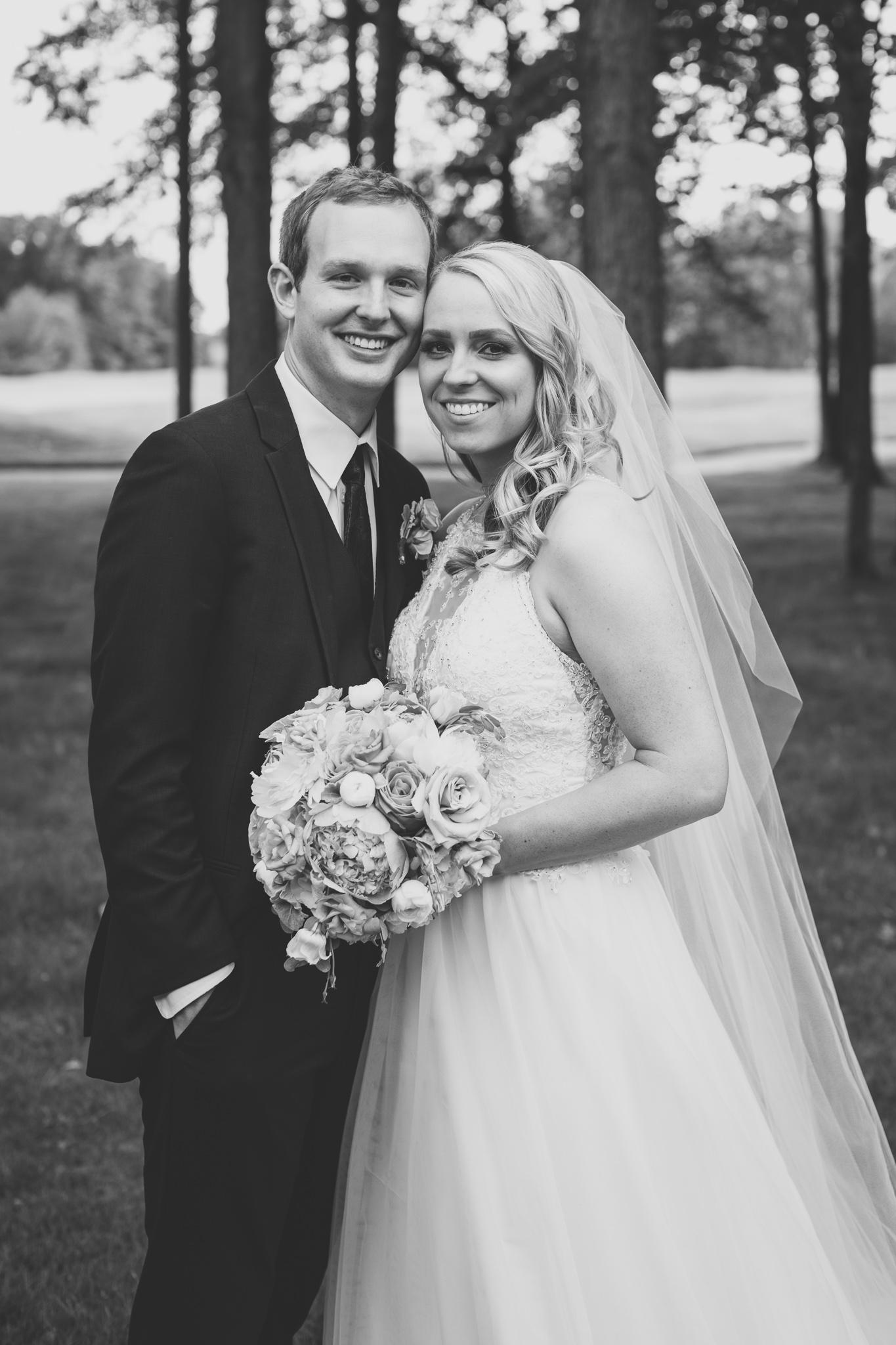 118-best-detroit-michigan-outdoor-wedding-photographer.jpg