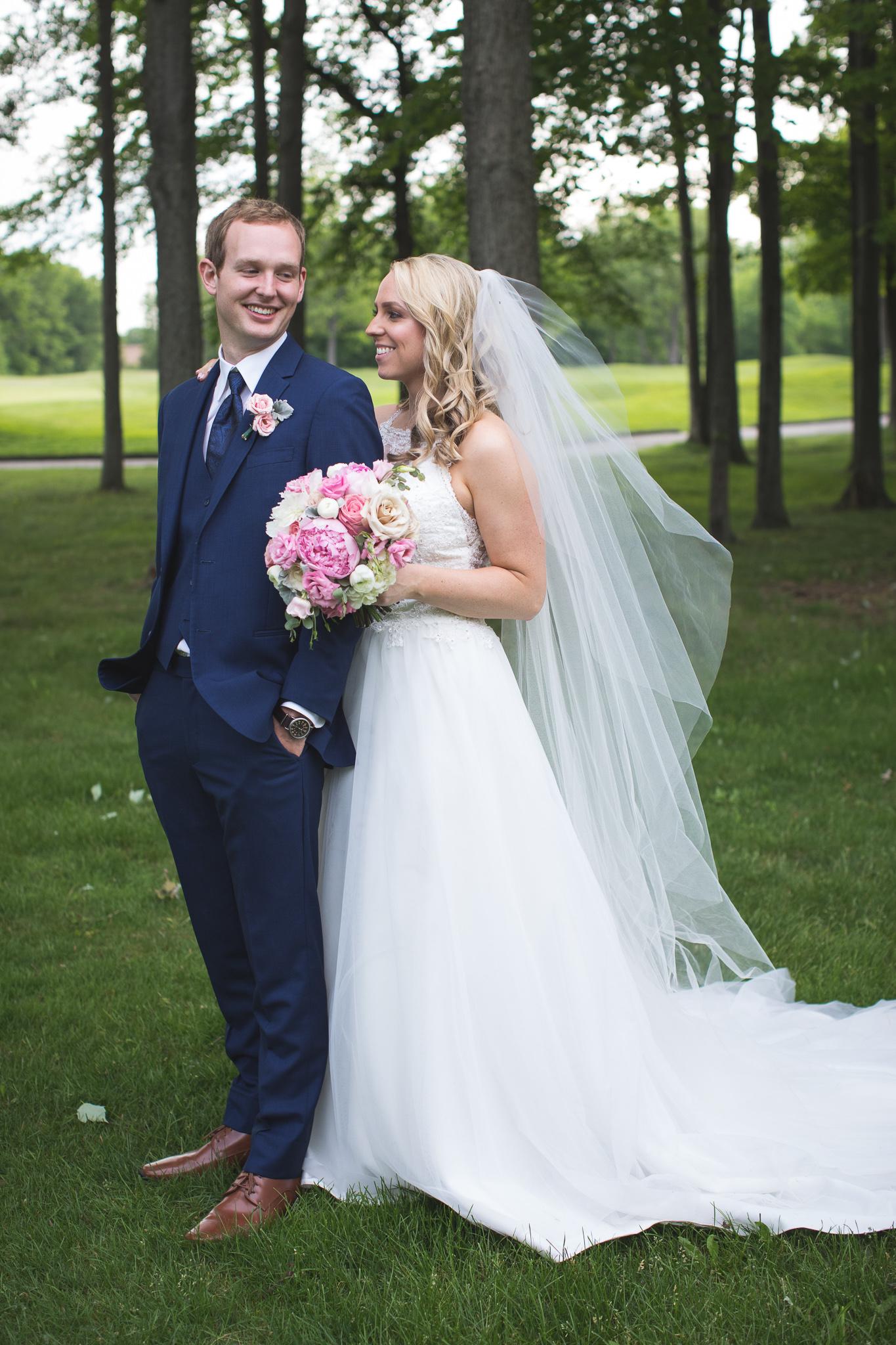 119-best-detroit-michigan-outdoor-wedding-photographer.jpg