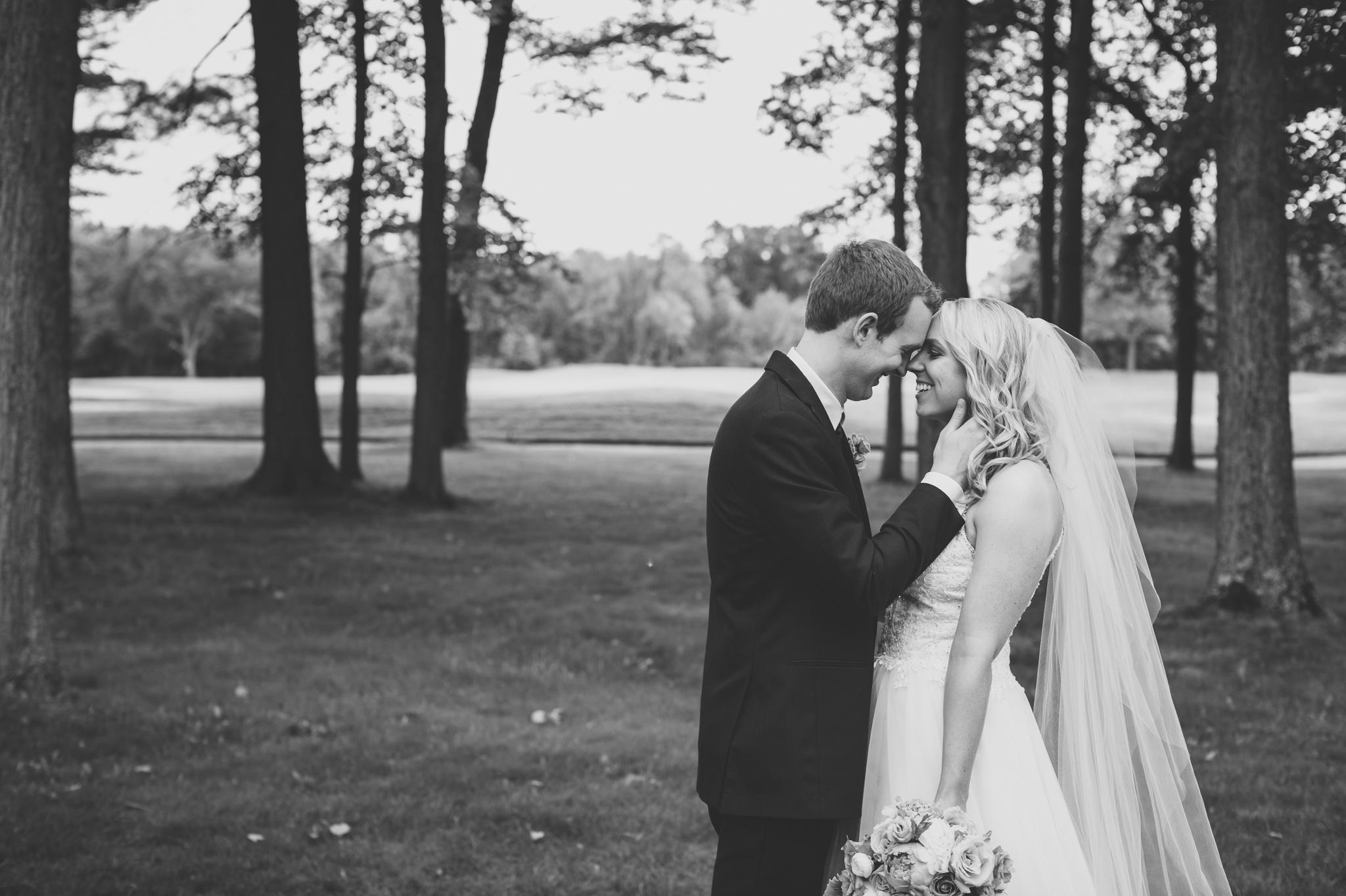 121-best-detroit-michigan-outdoor-wedding-photographer.jpg