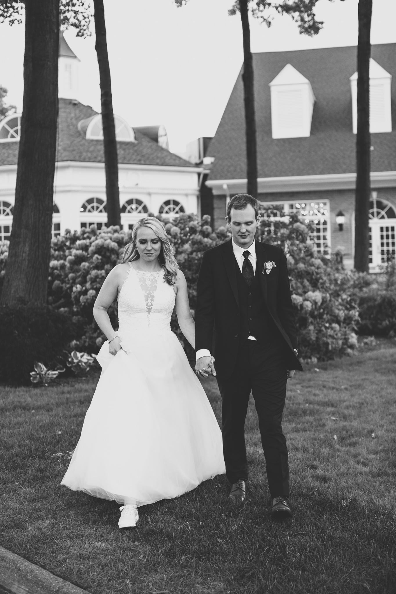 152-best-detroit-michigan-outdoor-wedding-photographer.jpg