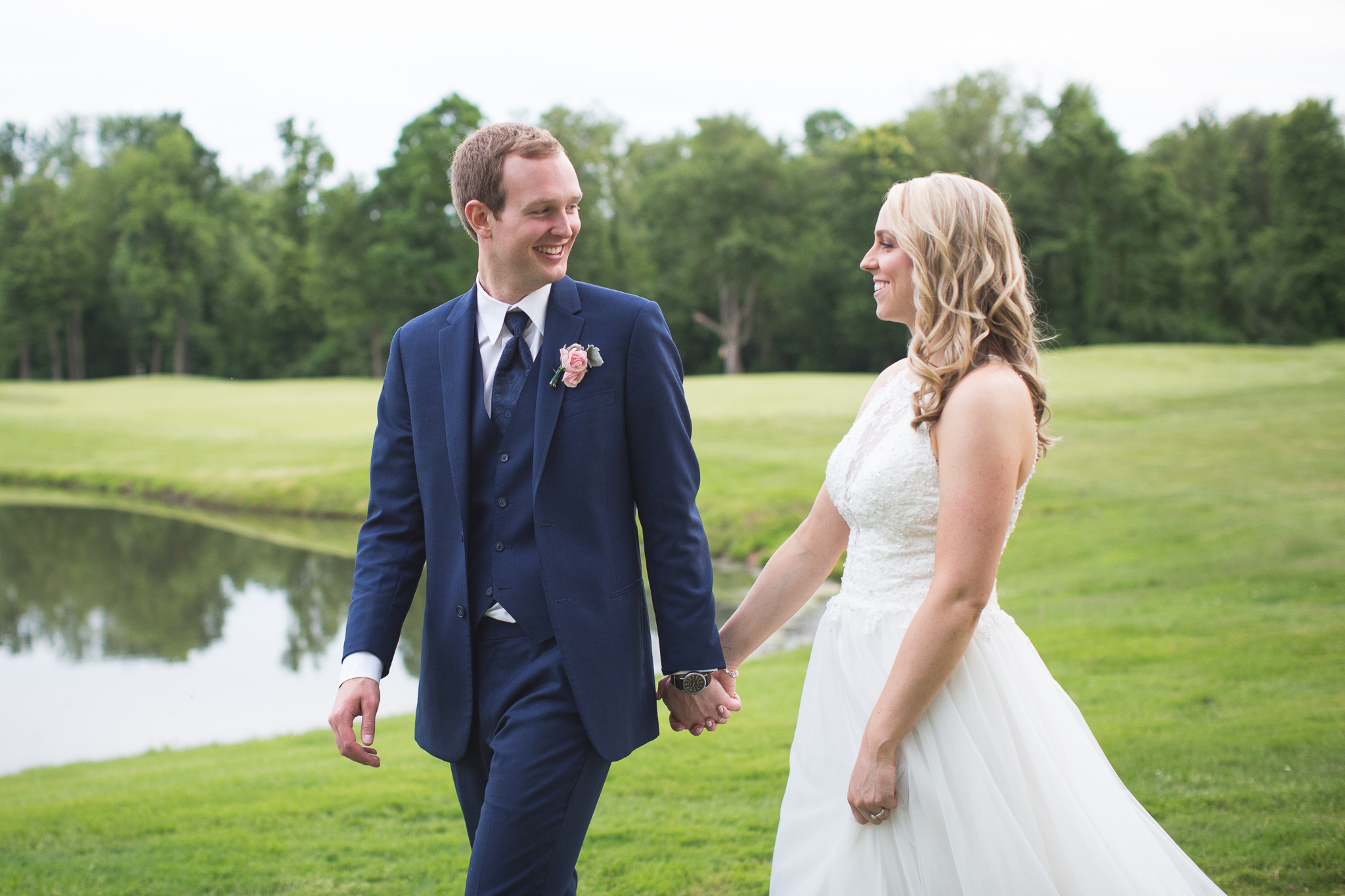 153-best-detroit-michigan-outdoor-wedding-photographer.jpg