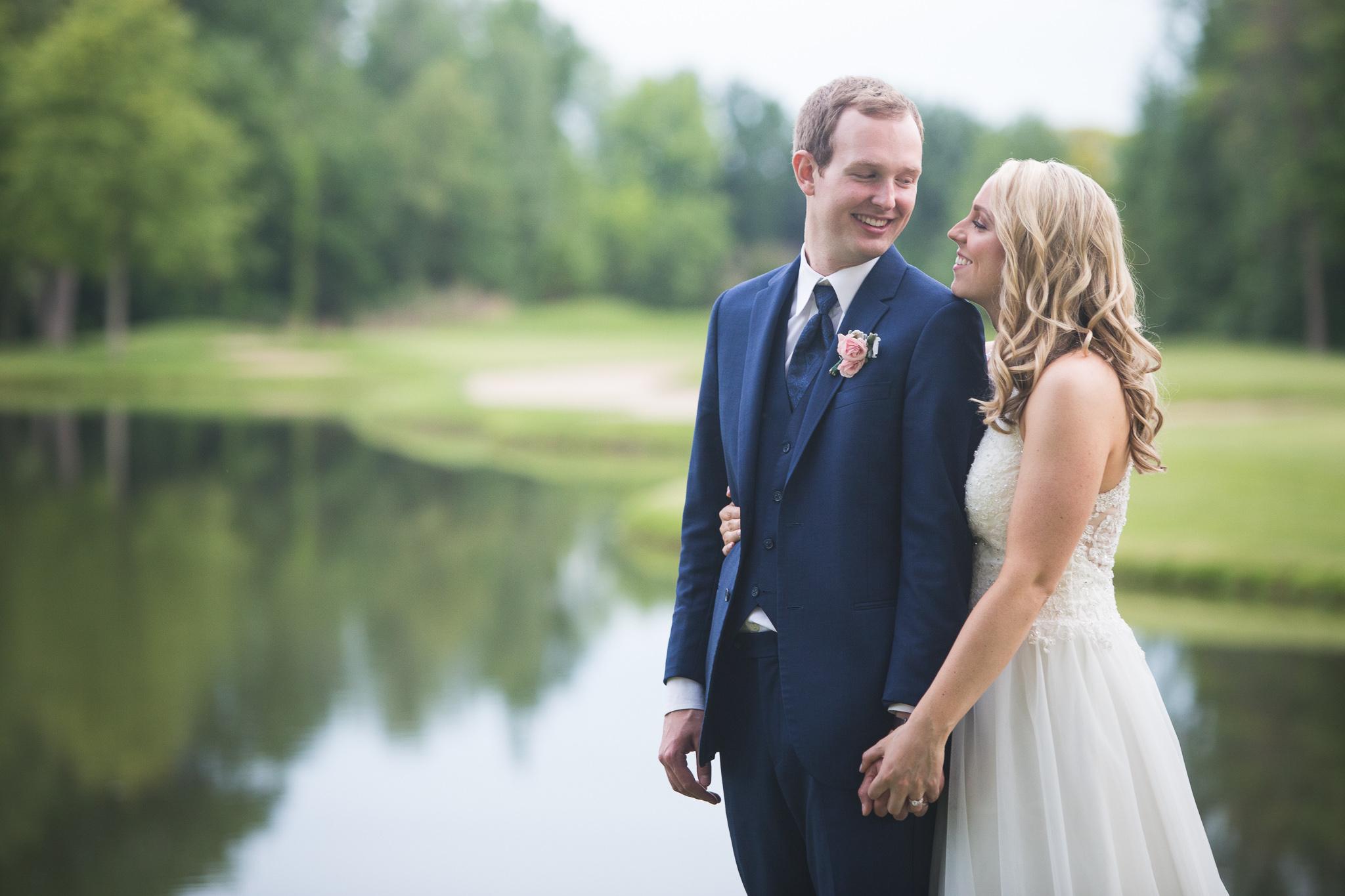 158-best-detroit-michigan-outdoor-wedding-photographer.jpg
