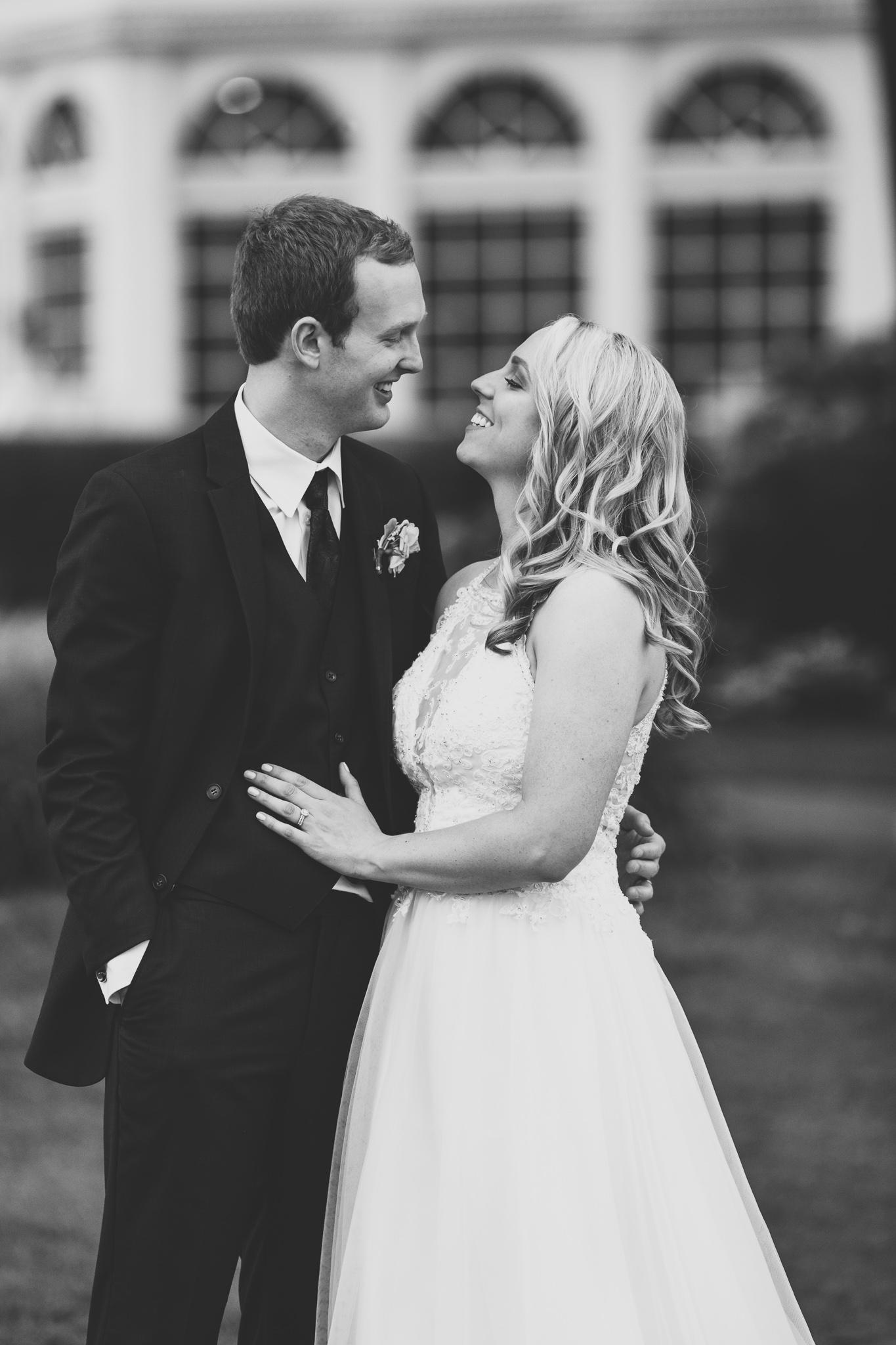 161-best-detroit-michigan-outdoor-wedding-photographer.jpg
