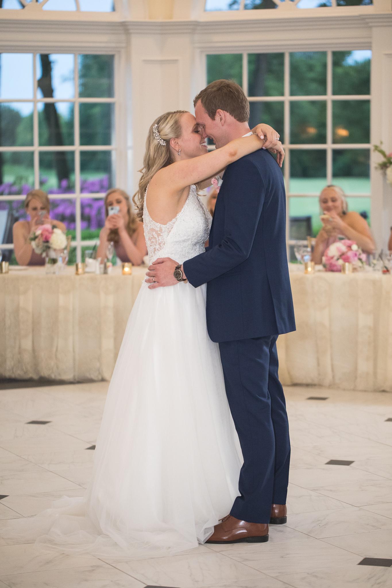 166-best-detroit-michigan-outdoor-wedding-photographer.jpg