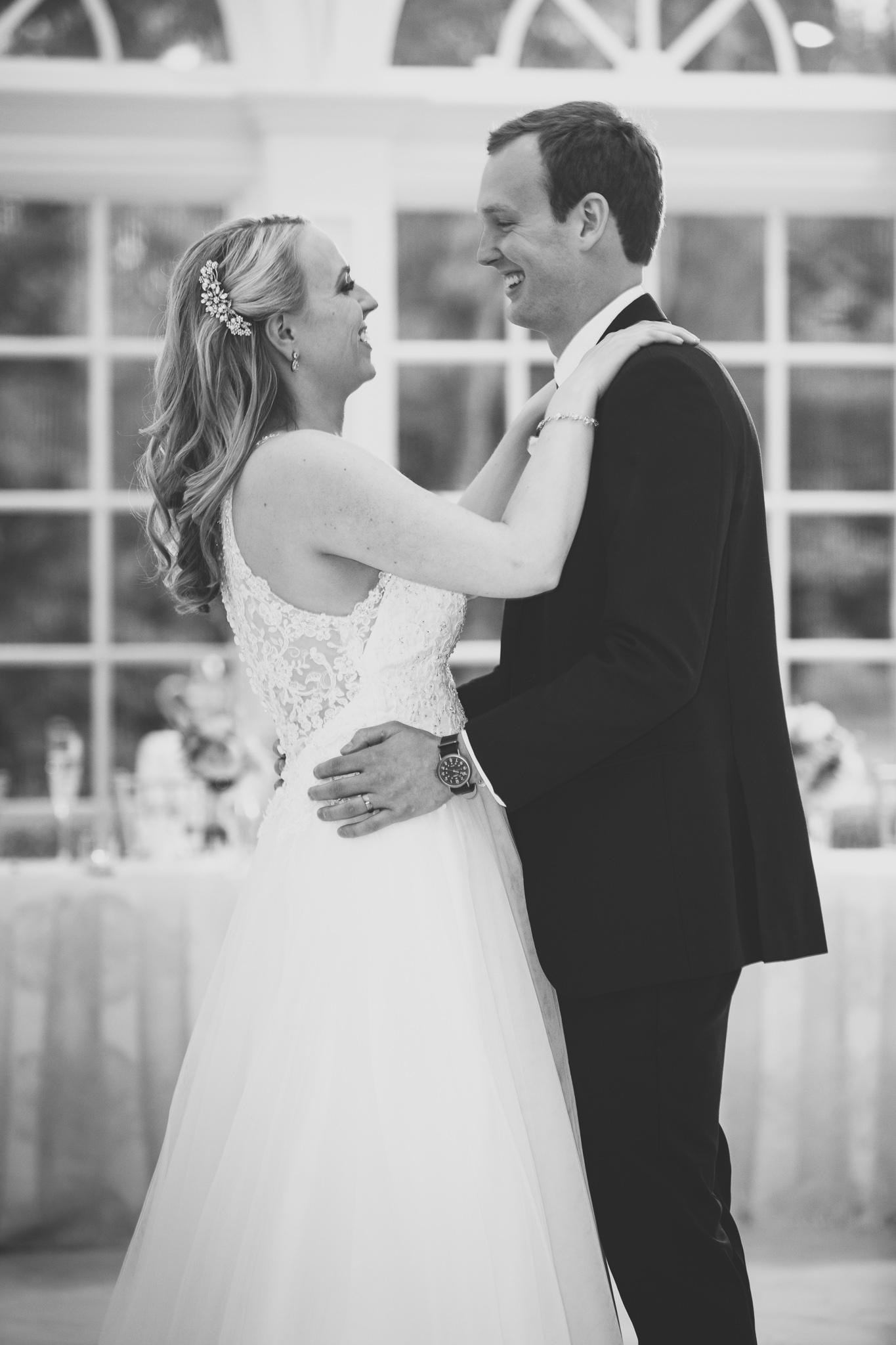 167-best-detroit-michigan-outdoor-wedding-photographer.jpg