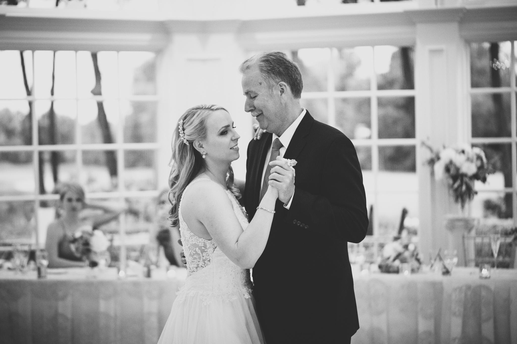 171-best-detroit-michigan-outdoor-wedding-photographer.jpg