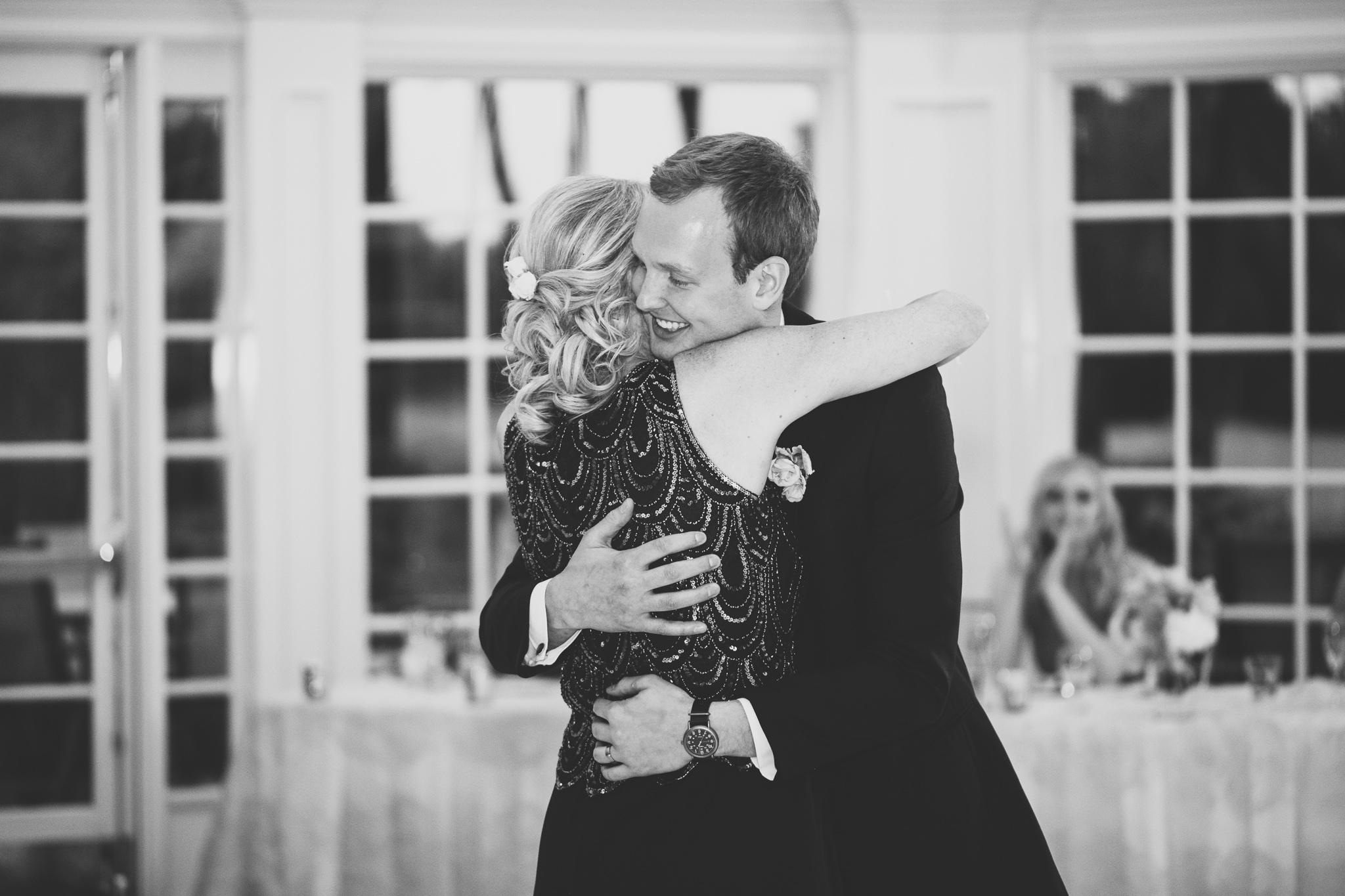 174-best-detroit-michigan-outdoor-wedding-photographer.jpg