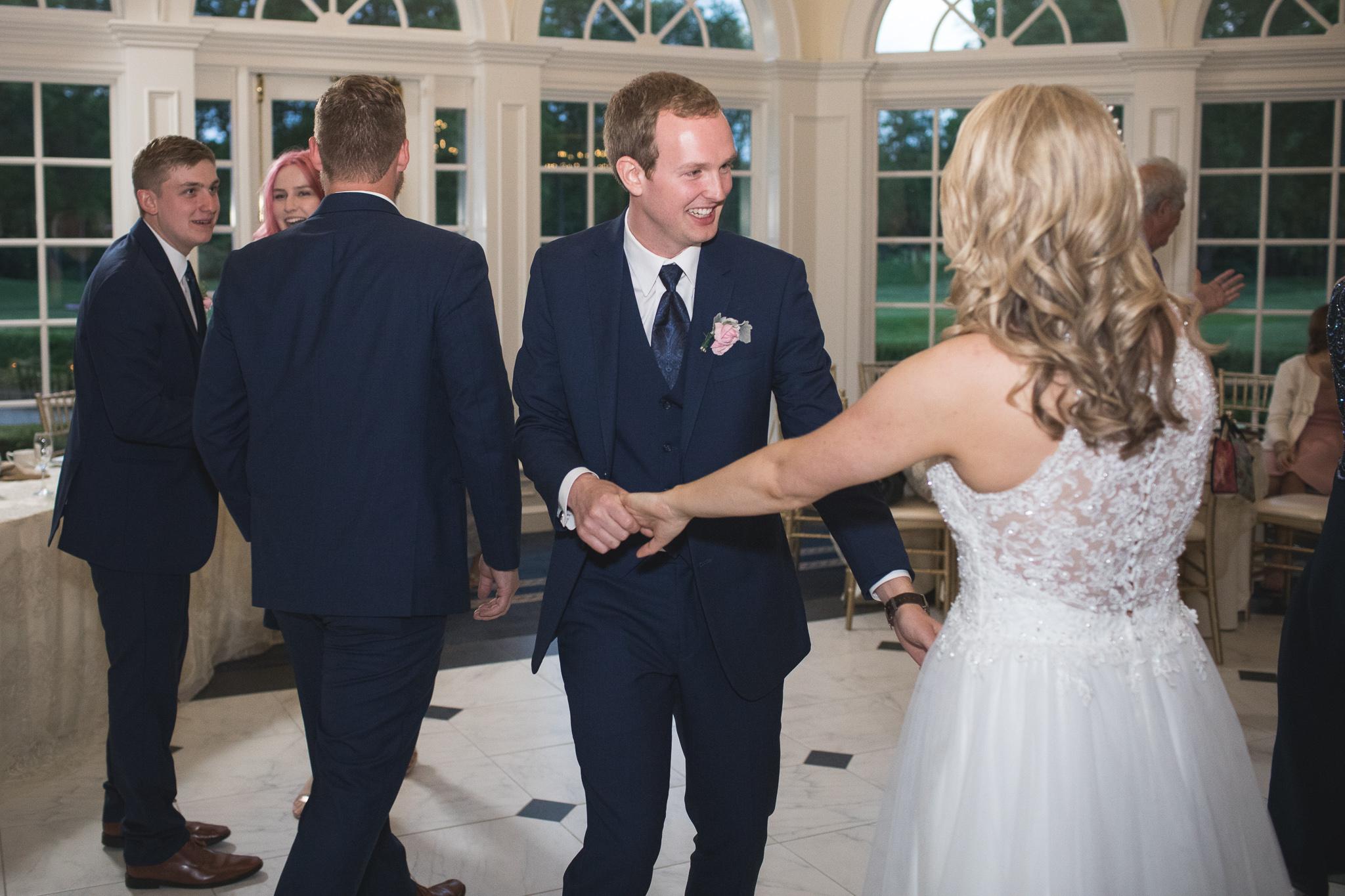 177-best-detroit-michigan-outdoor-wedding-photographer.jpg