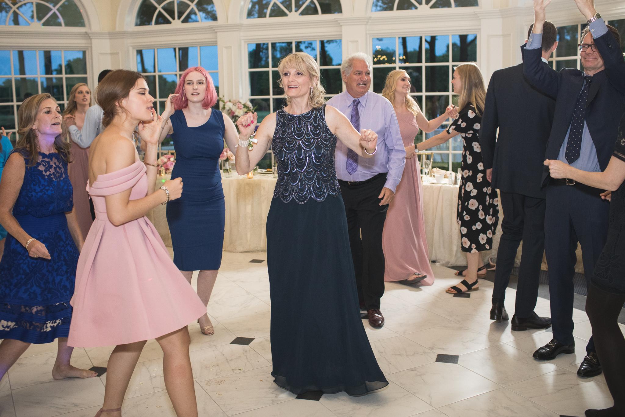178-best-detroit-michigan-outdoor-wedding-photographer.jpg
