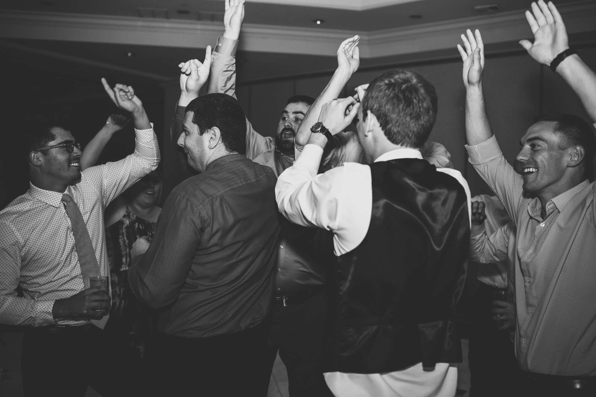 181-best-detroit-michigan-outdoor-wedding-photographer.jpg