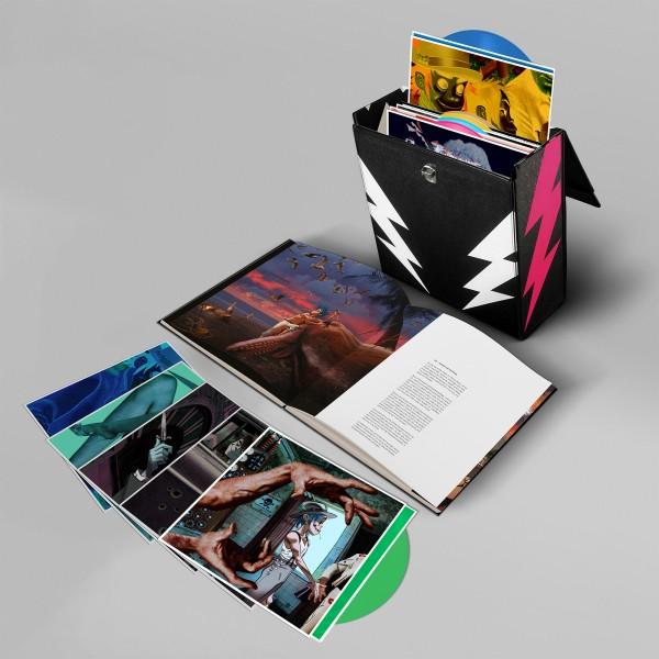 gorillaz_humans_vinyl_super_deluxe_box_5.jpg