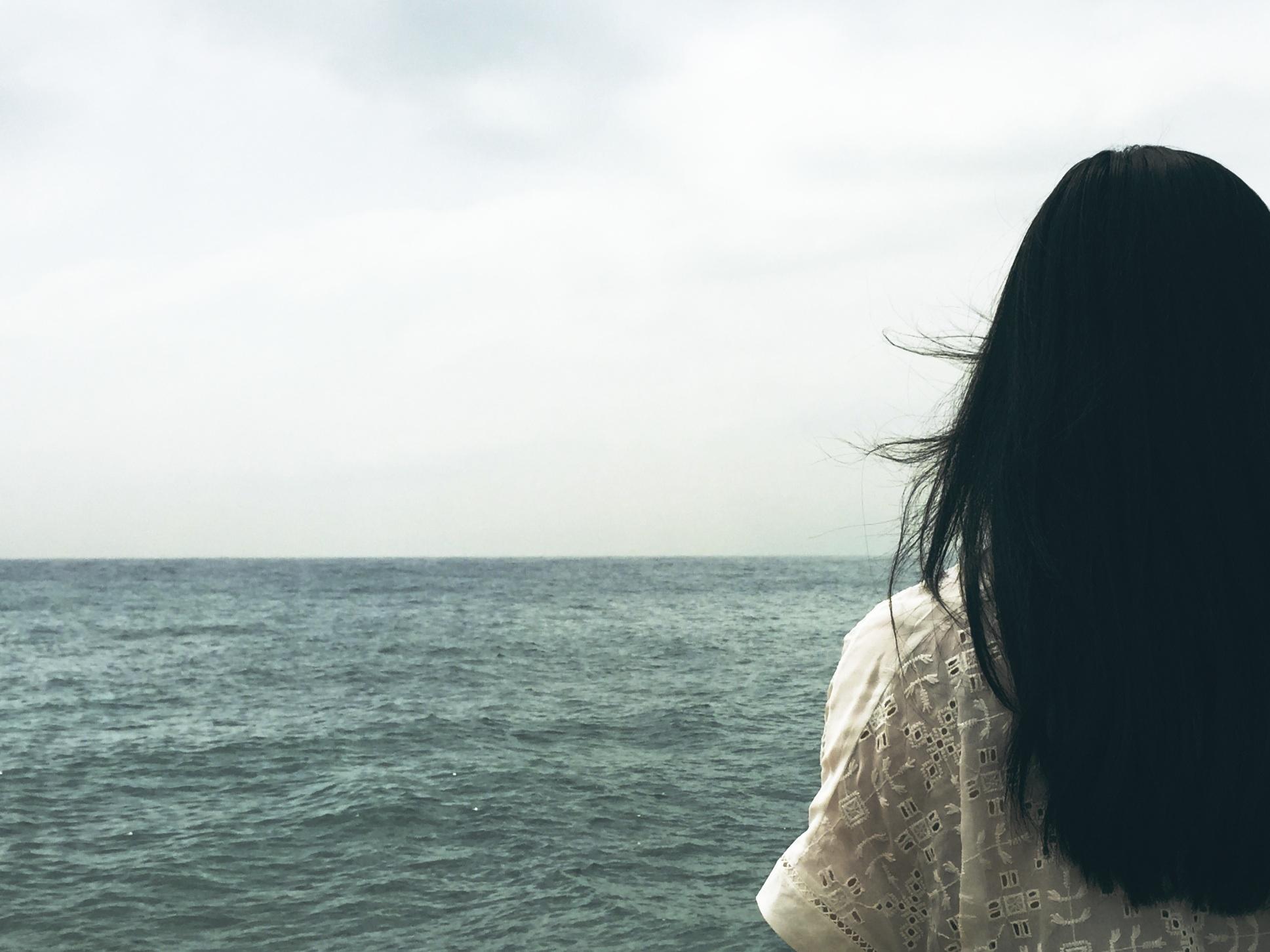 girl_dark hair_ocean.jpg