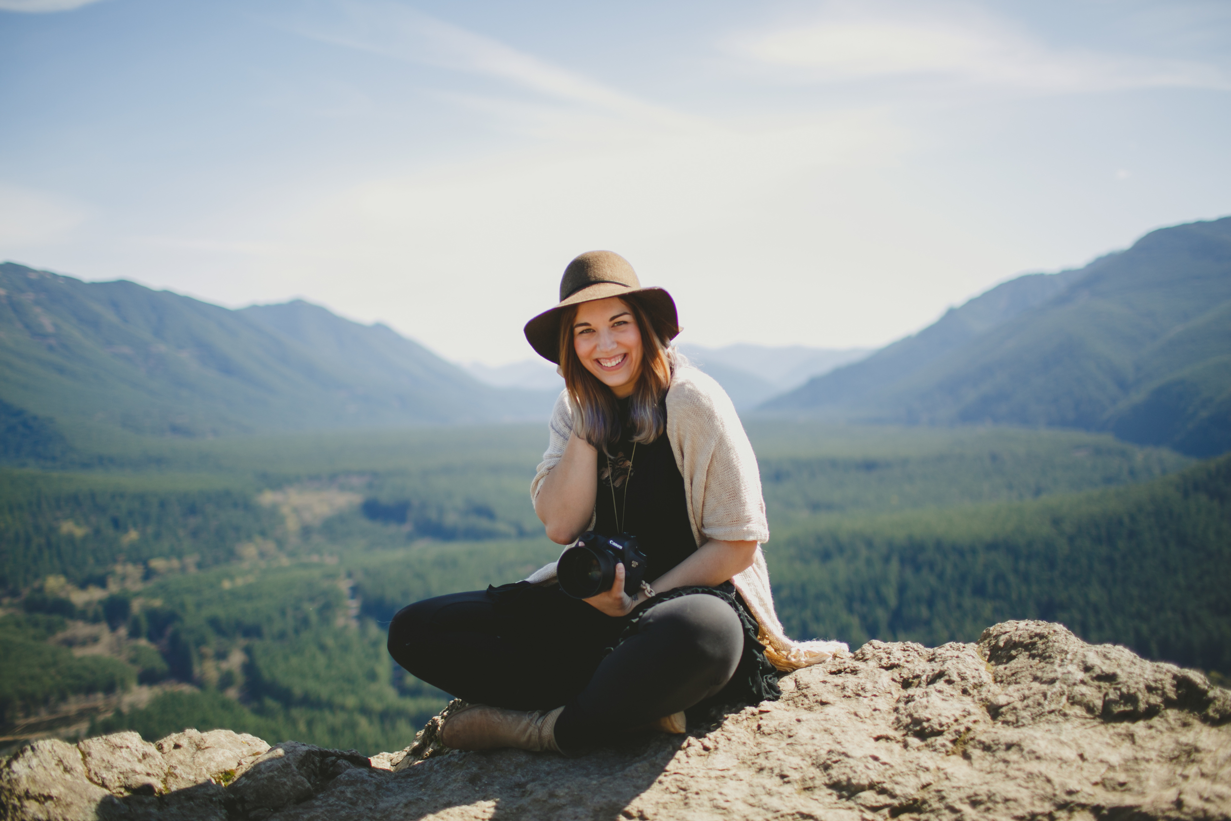 Rachel Barkman (pictured above) is a wedding and travel photographer based in Vancouver, BC who seeks to build community and glorify Jesus through her images and adventures.