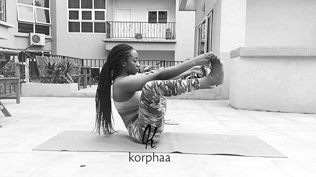 Lets strengthen that core with some balance play. call 0243935814 for details... тнιик ℓєѕѕ fєєℓ мσяє. #yogawithkorphaa #korphaa #getflexiblewithkorpha