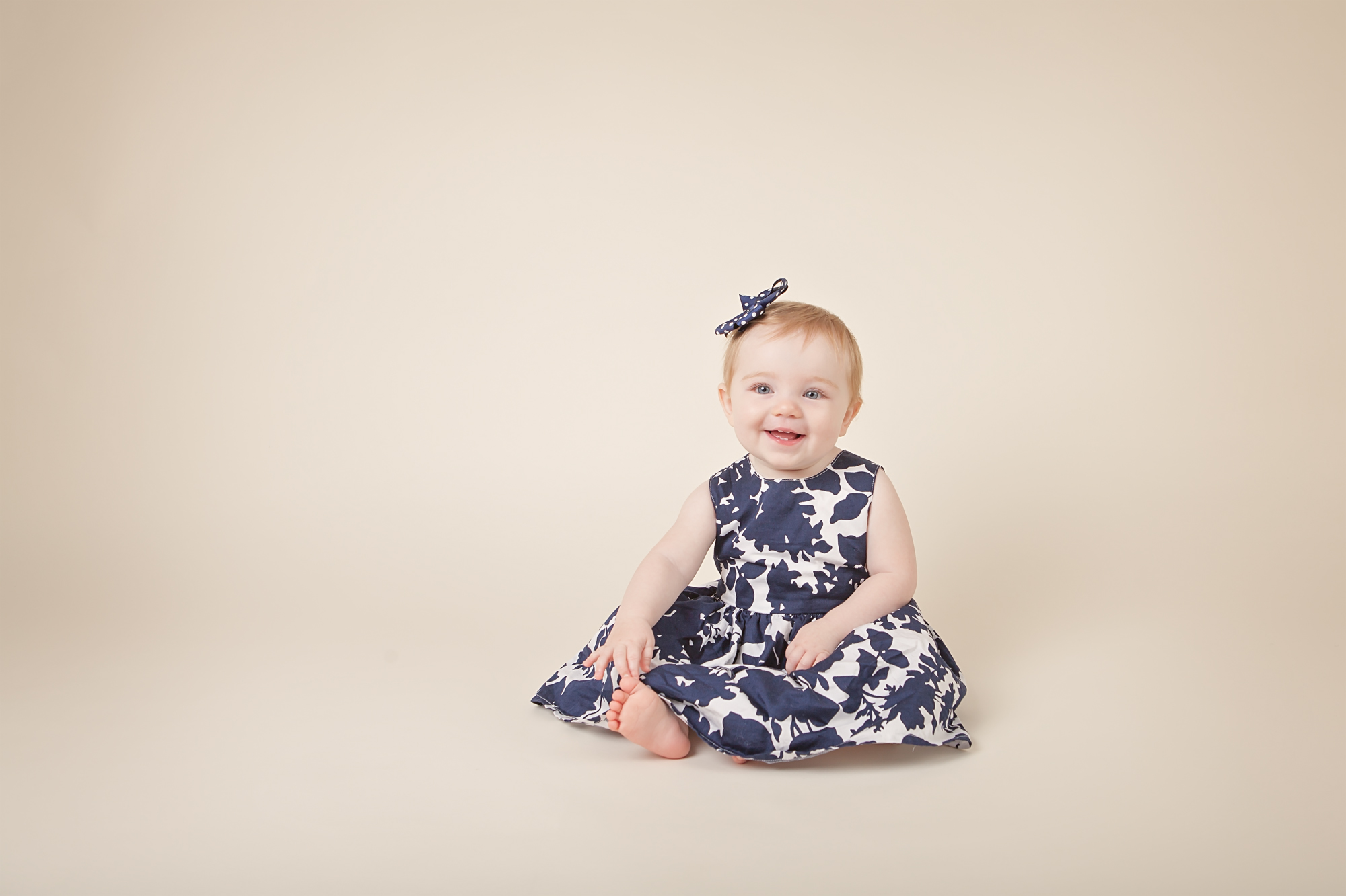 baby girl blue dress columbus oh photographer