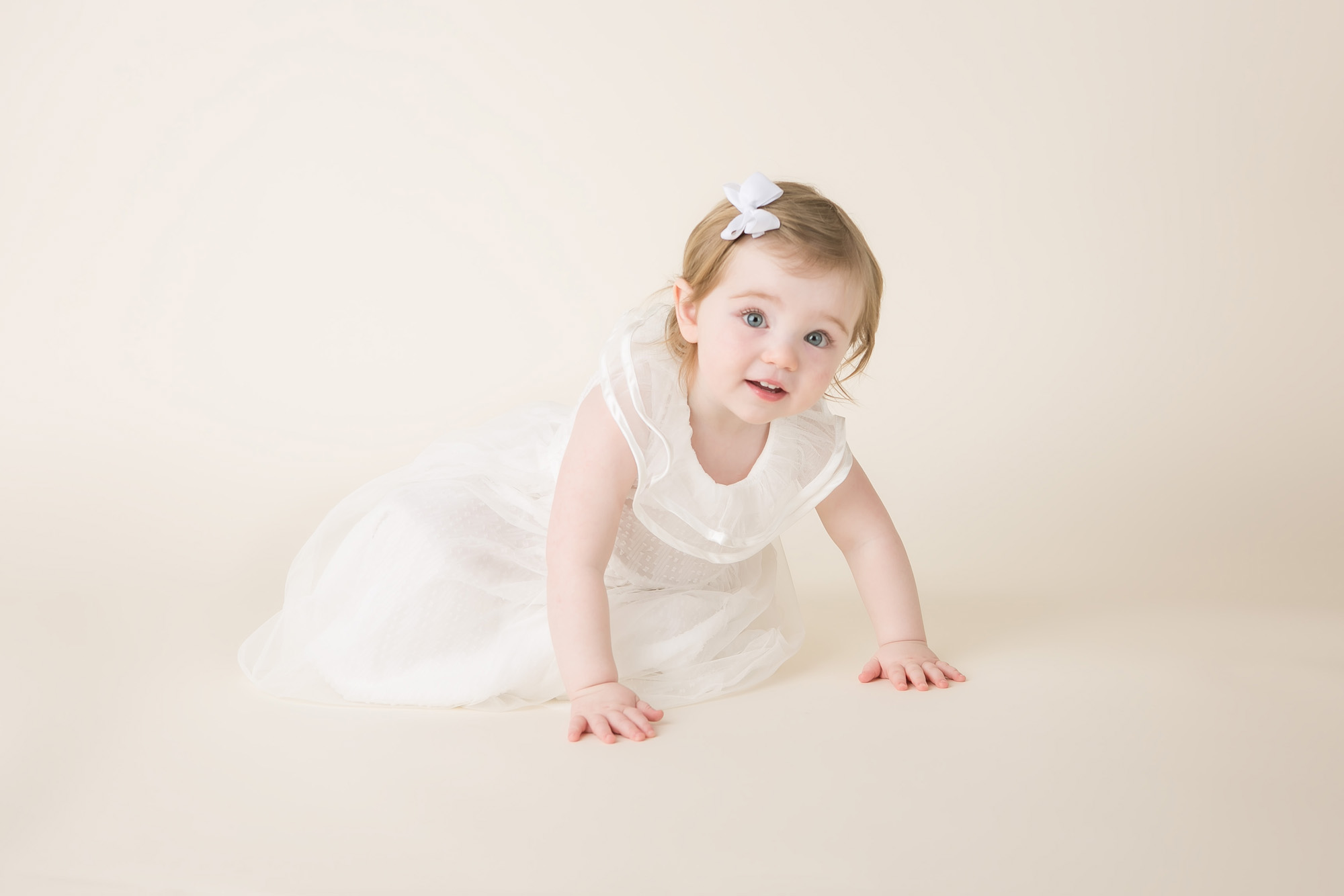 baby girl white dress columbus ohio photography