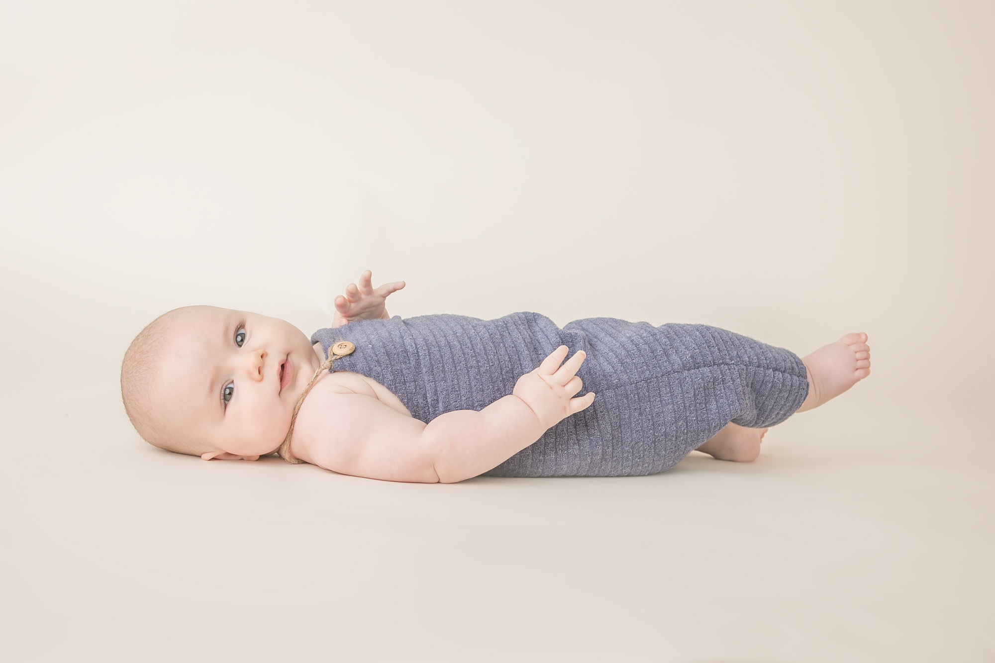 baby boy picture blue overalls natural columbus oh photographer jessica olms photography