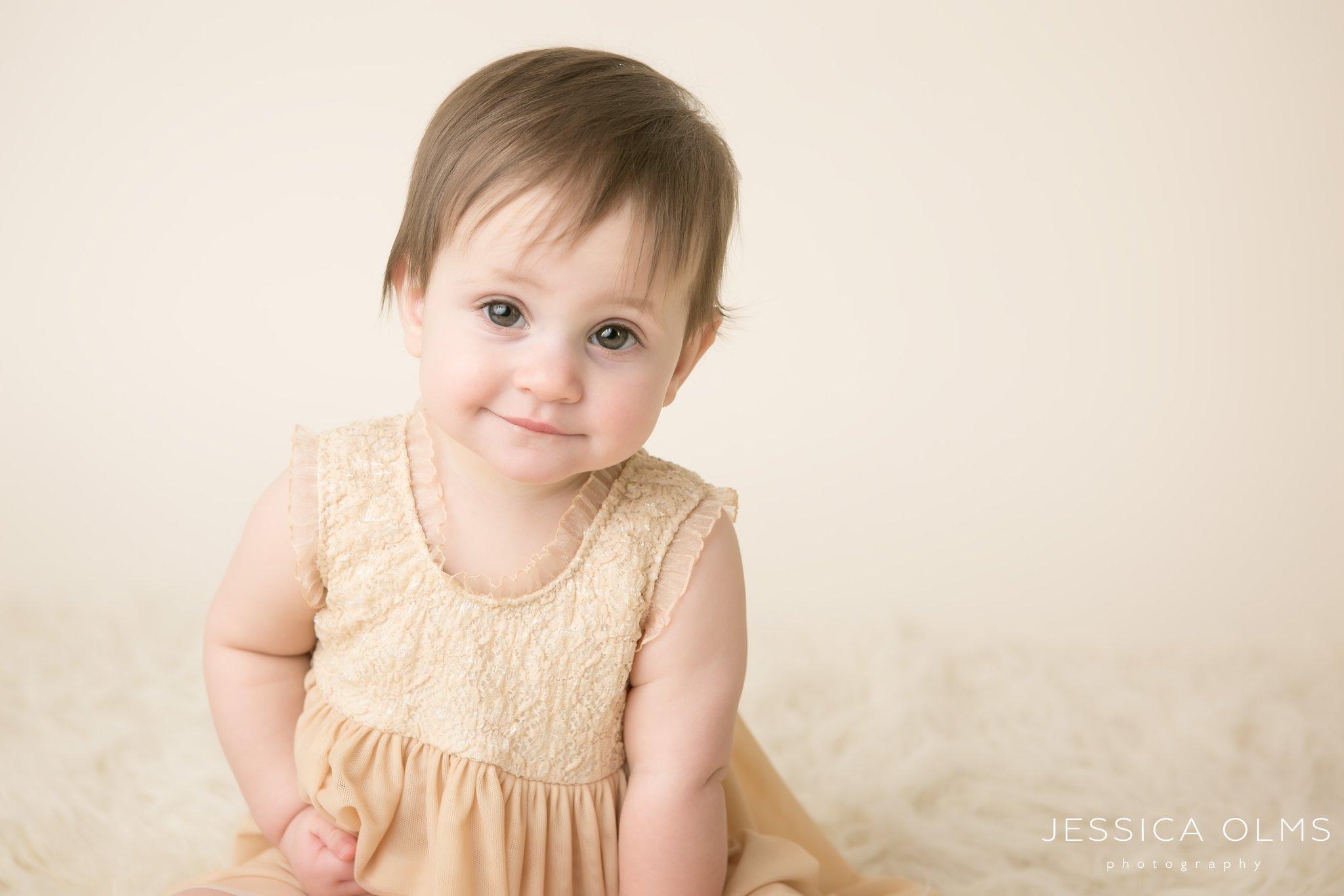 9 month girl in dresses columbus ohio baby photographer