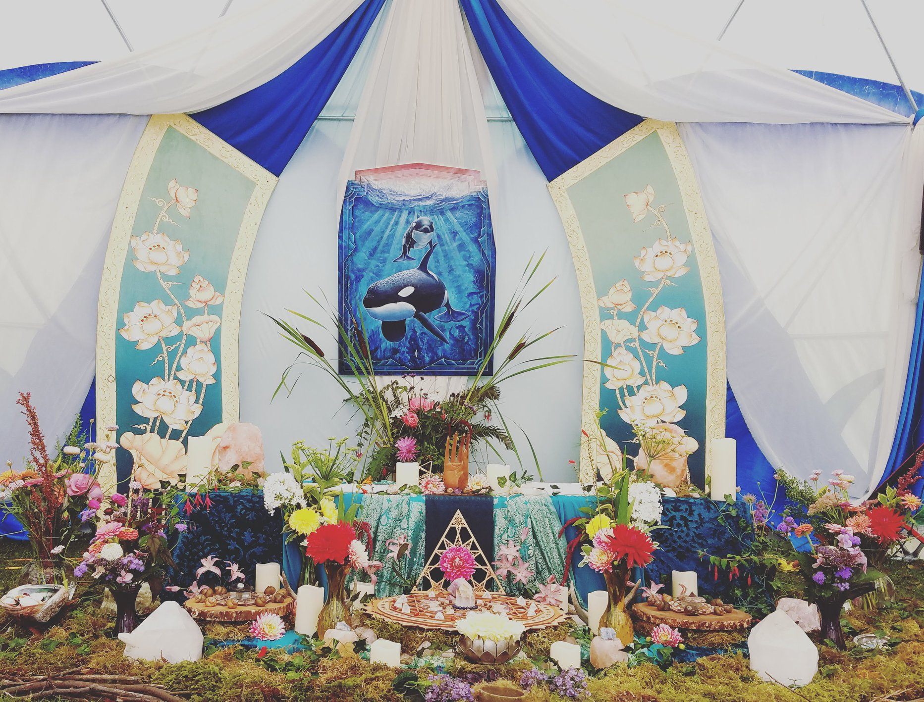 Have you seen a better altar? Photo: Tifa Mudita