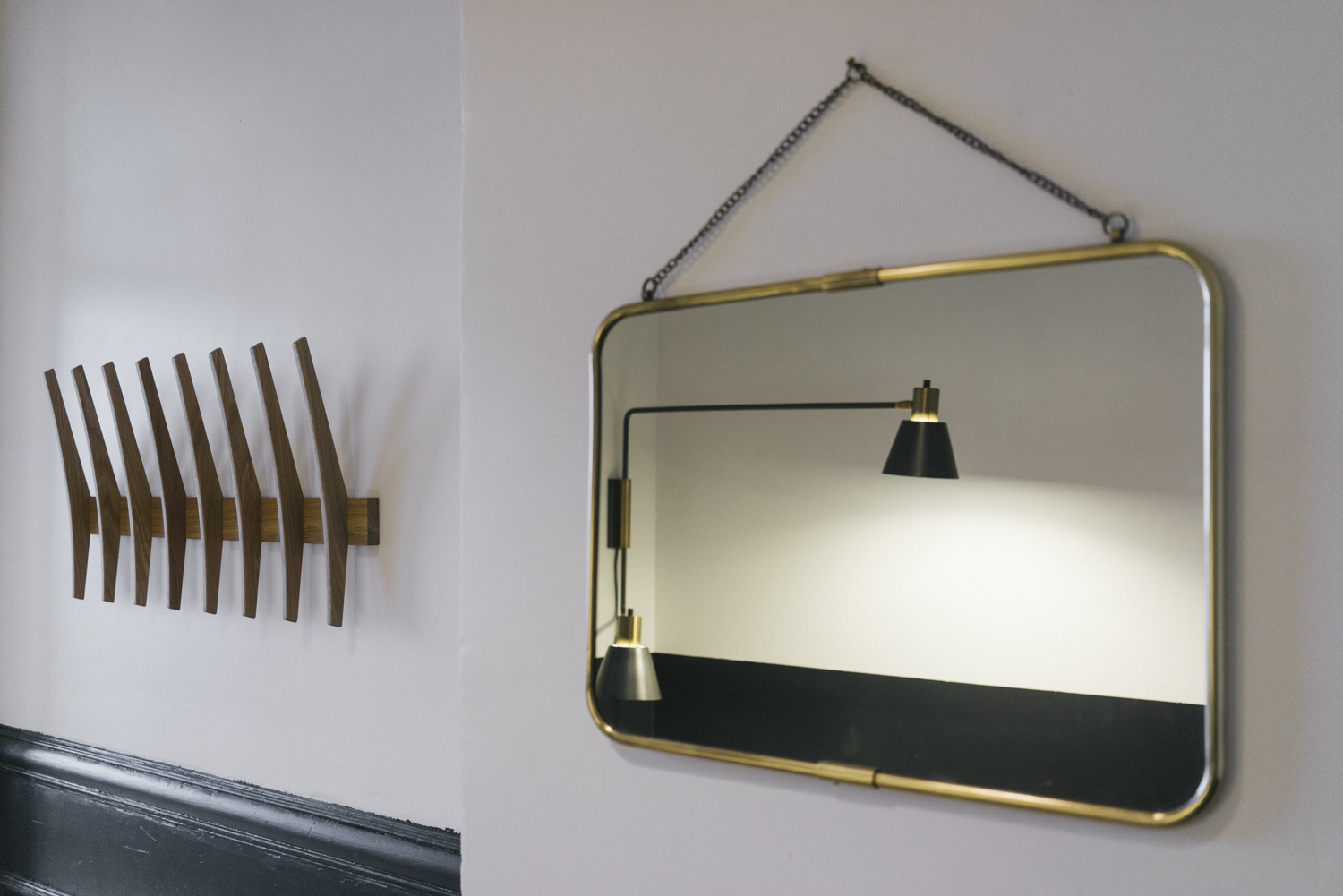Anteroom essentials, the coat rack and mirror
