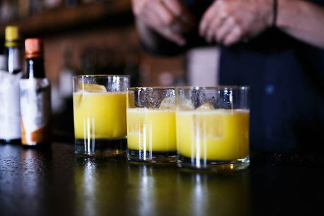 Drink's on deck! Perfect way to end off the day after work HAPPY HOUR! 4pm - 8pm today! See you in a few hours, tell a friend! Don't forget to make your brunch reservation for the weekend now before we are at capacity!  #SolomonAndKuff