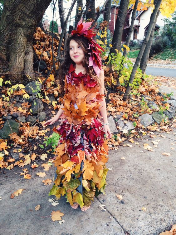 ' Here's a mother nature dress made of course of all leaves. Image Source: Pinterest