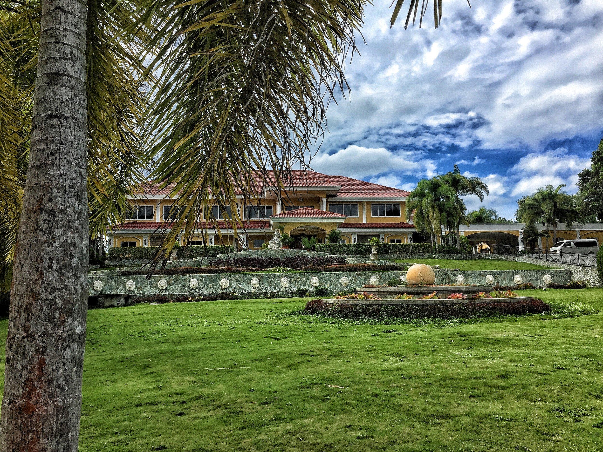 Your villa at the top of Bohol awaits you.