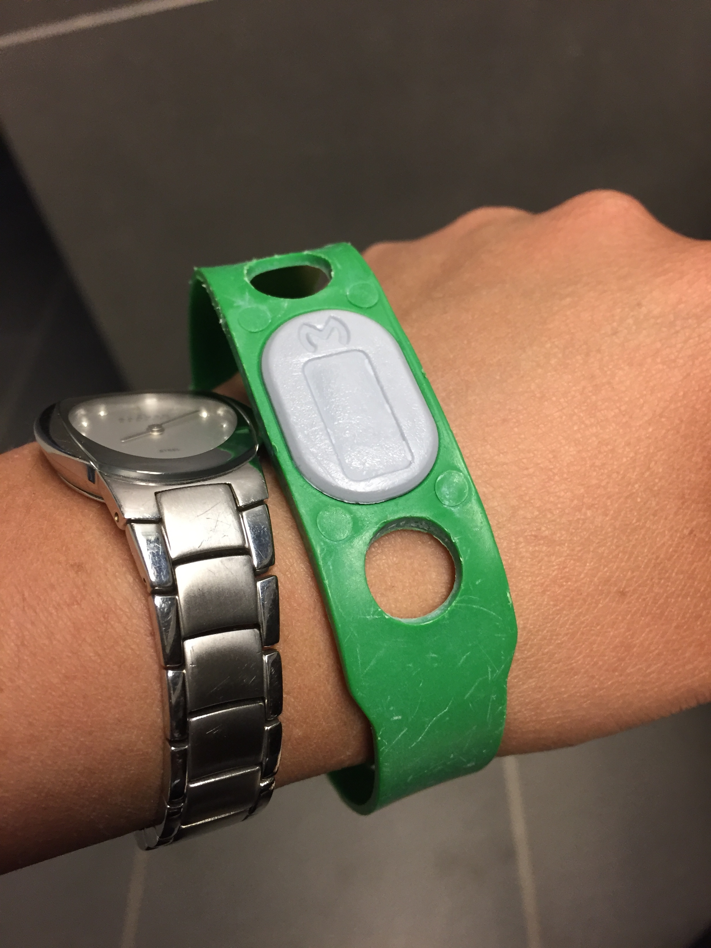 iceland-blue-lagoon-reusable-wristband