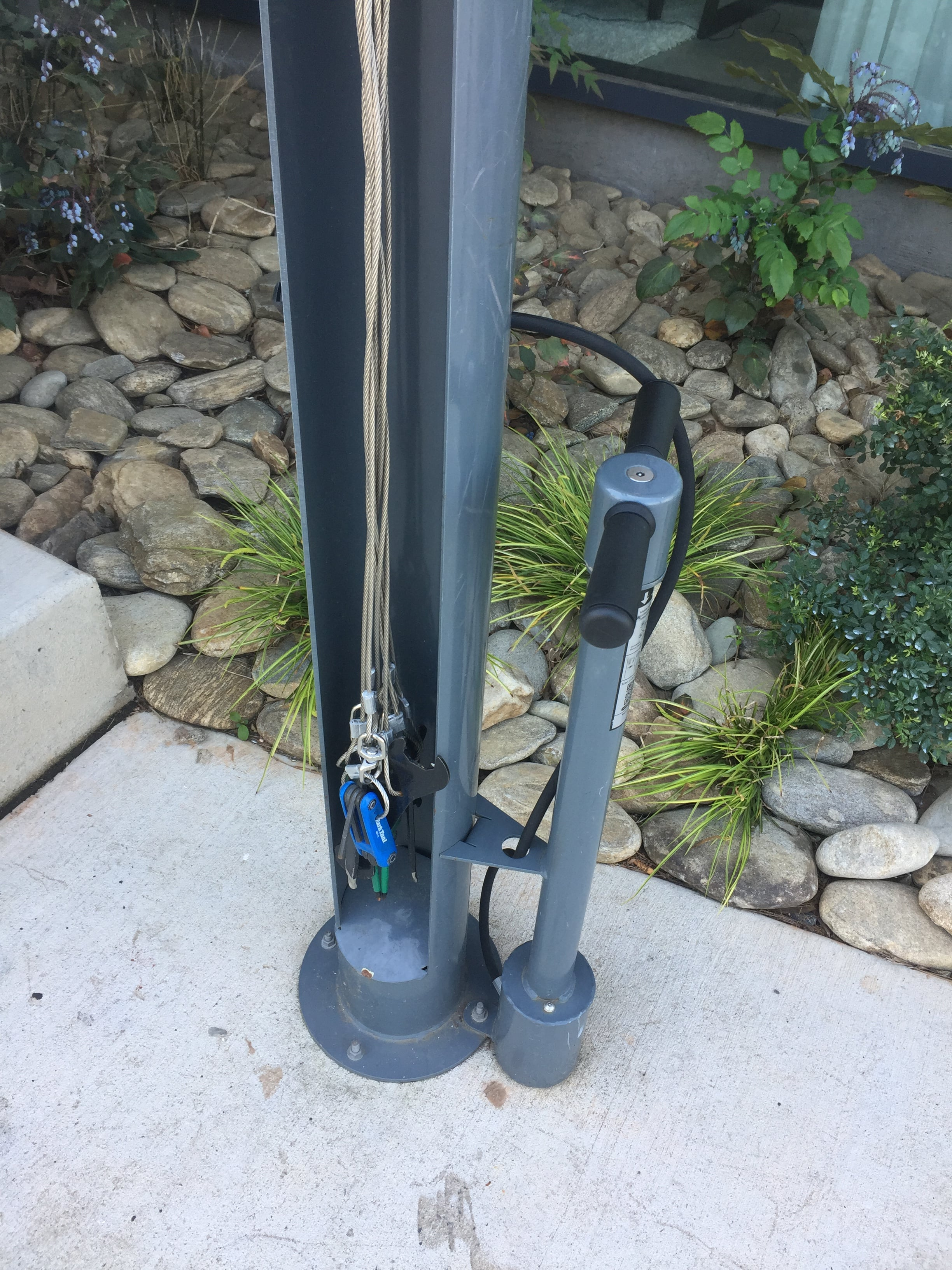 Bike sharing repair station in Charlotte. No need for your own equipment. Community!