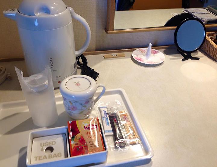 Coll-Japan-2015-Hotel-Ladies-Floor-tea-tray_72.jpg