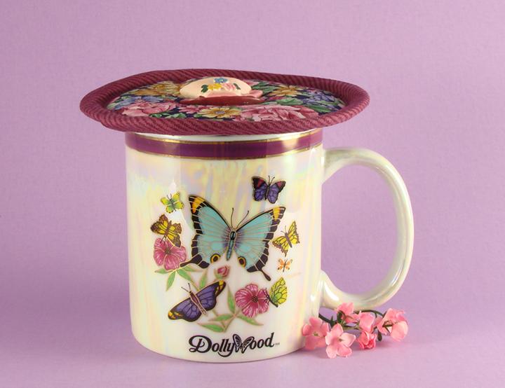 Thinsulate insulated Garden Floral Kup Kap on 12 ounce Dollywood mug.